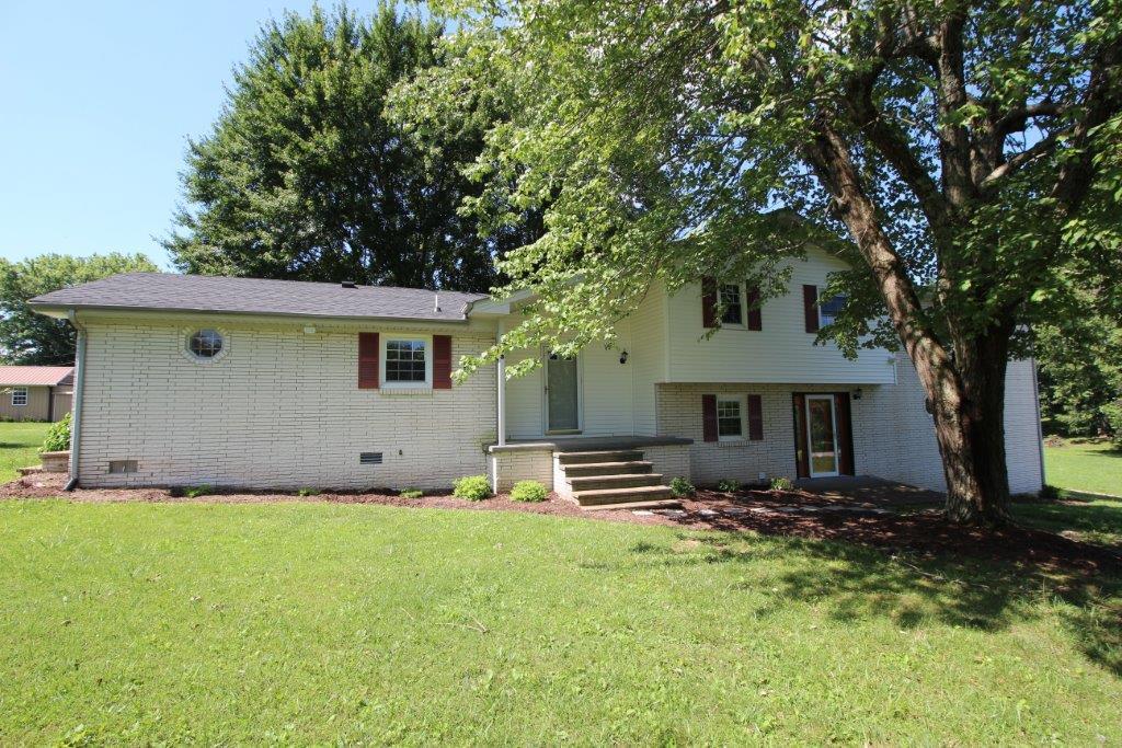 1403 Cardinal Dr, Lafayette, TN 37083 - Lafayette, TN real estate listing