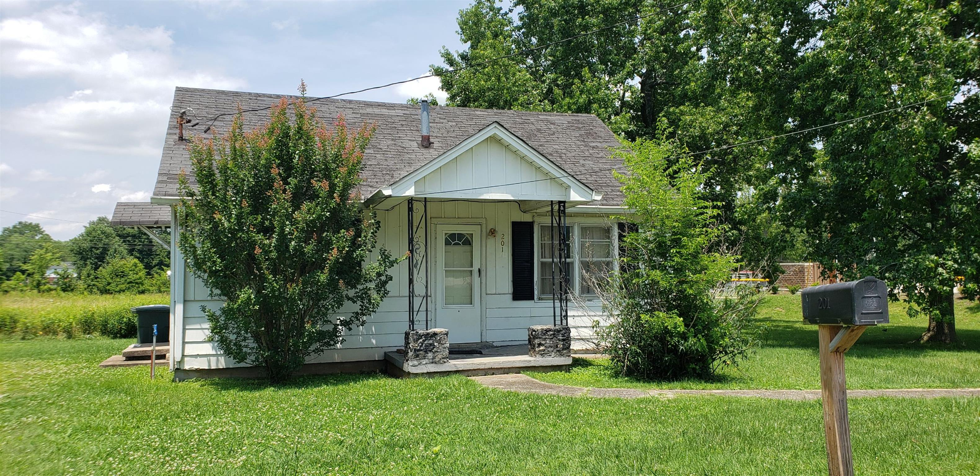 201 Oak St, Portland, TN 37148 - Portland, TN real estate listing