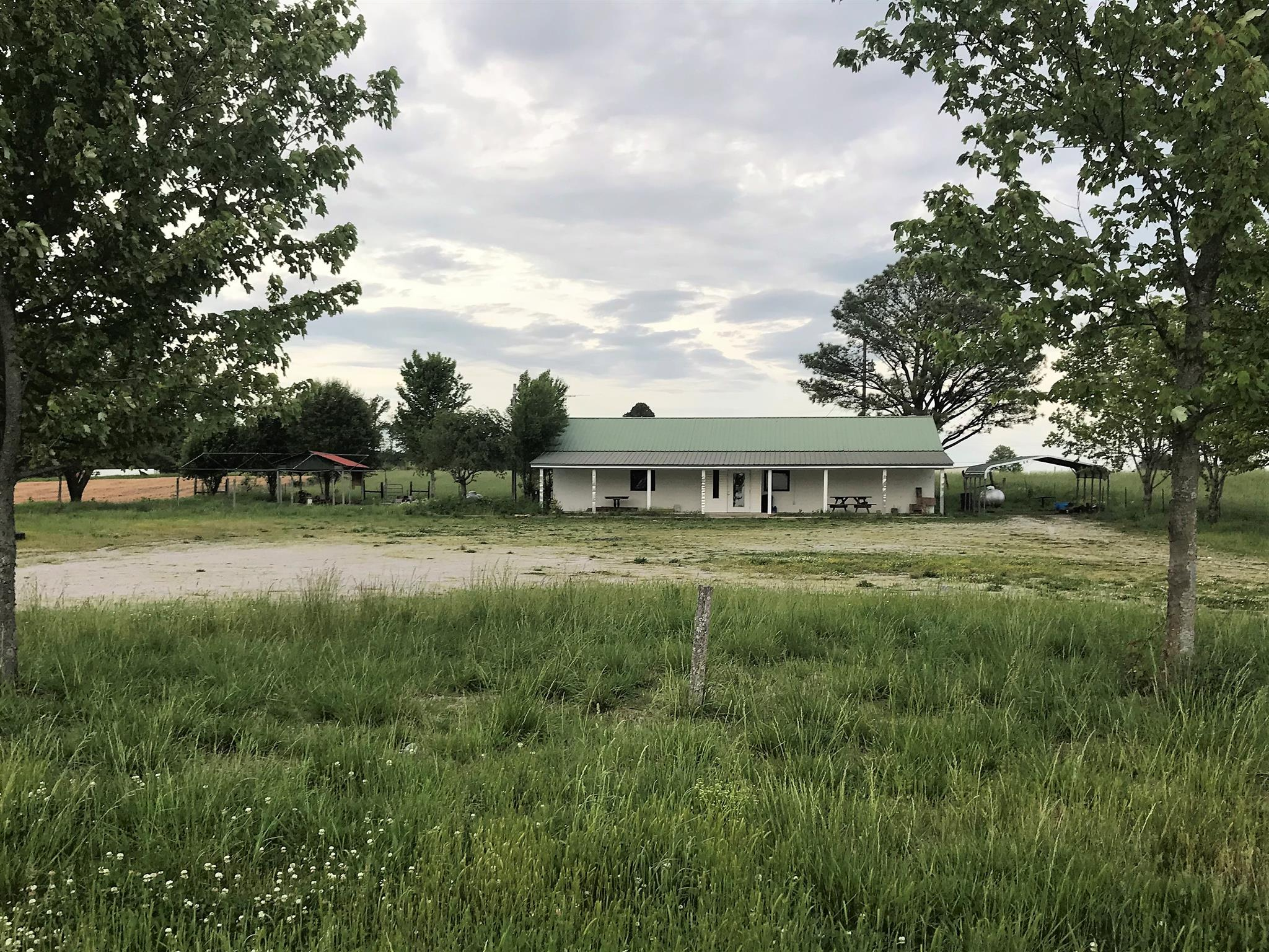 24 Vfw Rd, Elora, TN 37328 - Elora, TN real estate listing