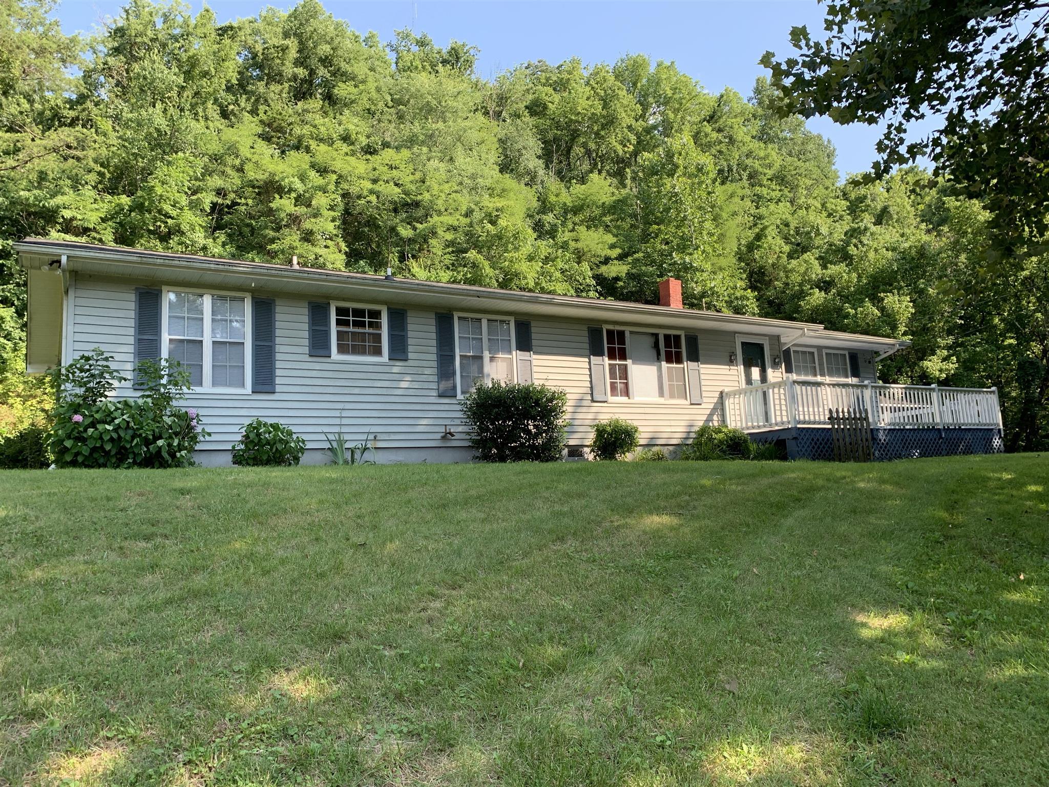 38313 Real Estate Listings Main Image