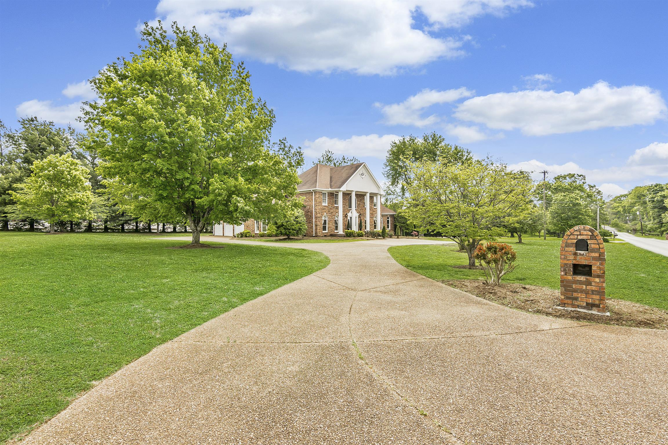 135 Bluegrass Dr, Hendersonville, TN 37075 - Hendersonville, TN real estate listing