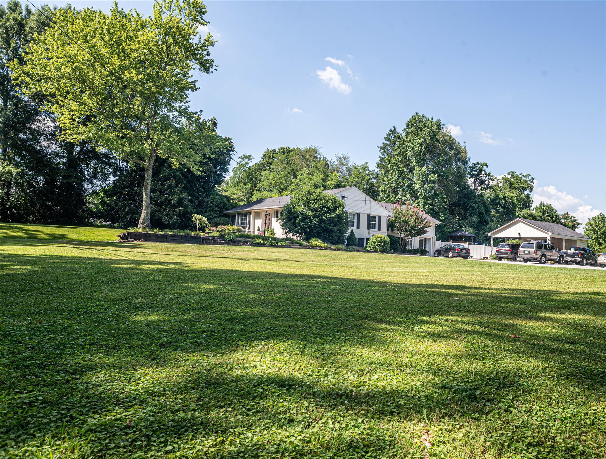 704 Cedar Ln, Tullahoma, TN 37388 - Tullahoma, TN real estate listing