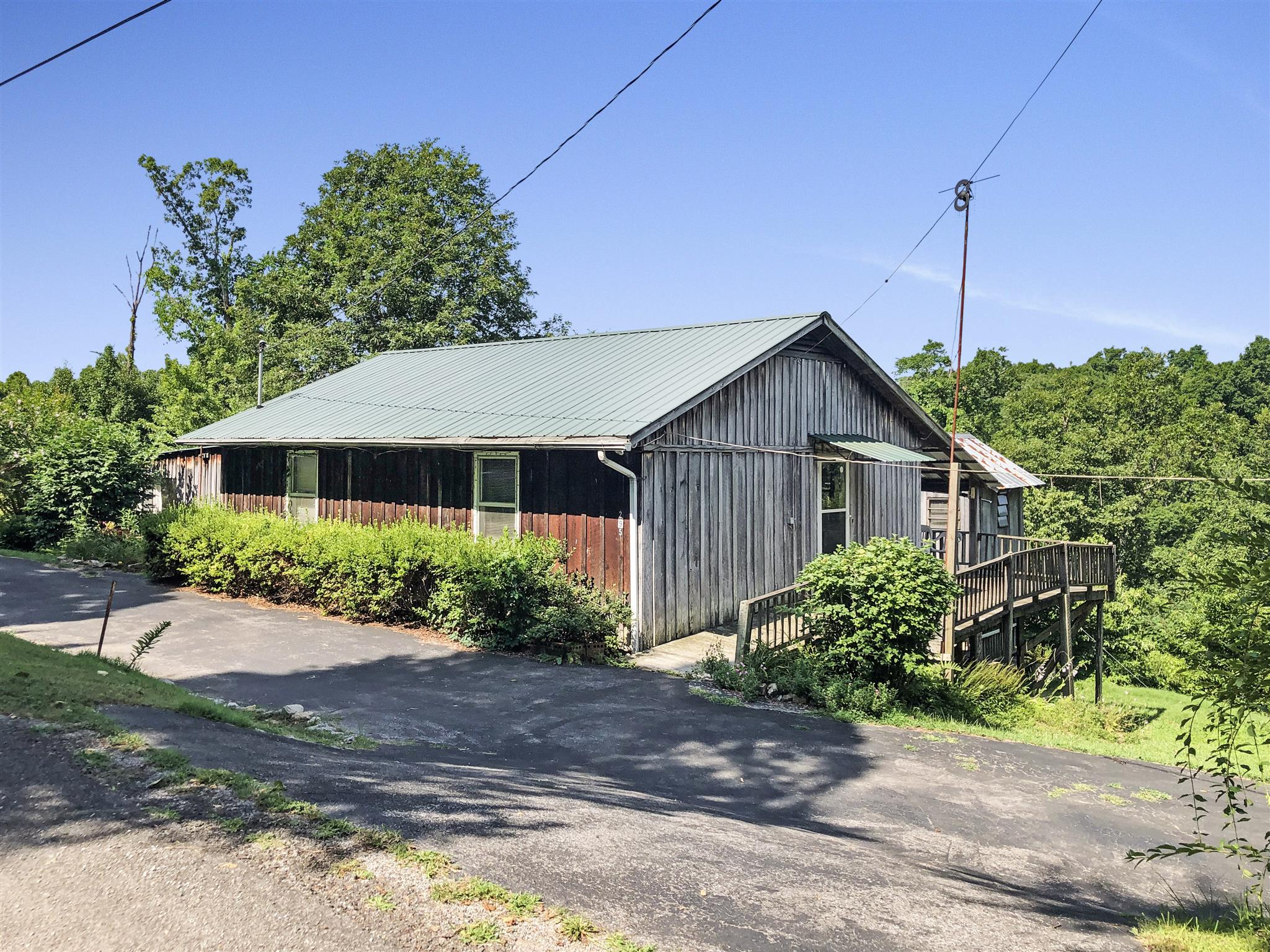 295 Lakeview Ln, Stewart, TN 37175 - Stewart, TN real estate listing