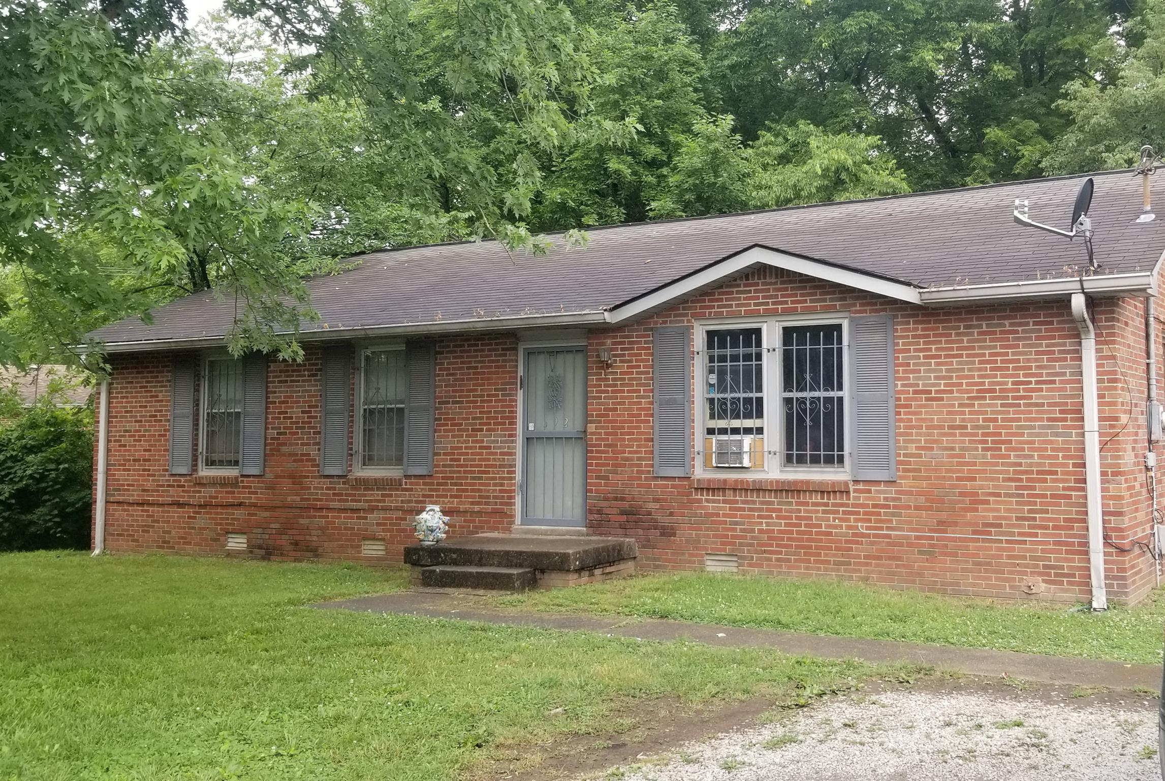 692 Rowan Dr Property Photo