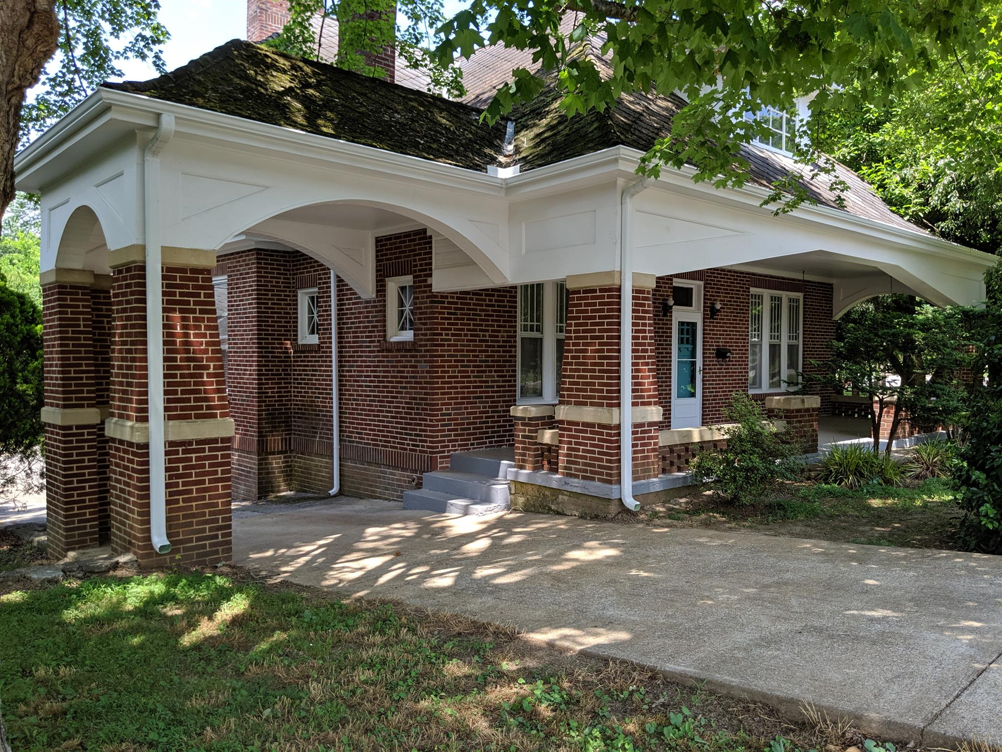 117 Church St Property Photo - Centerville, TN real estate listing
