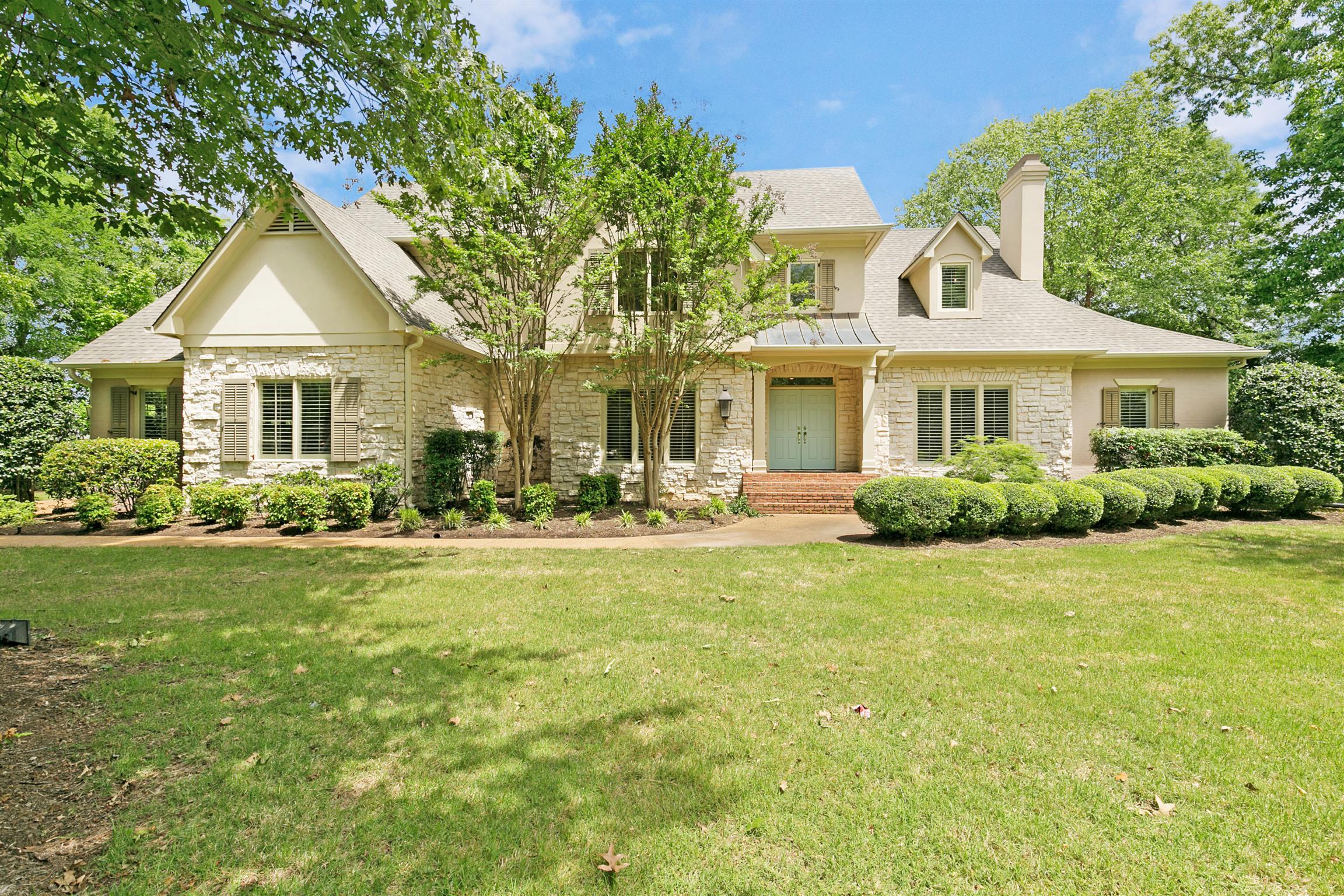 38305 Real Estate Listings Main Image