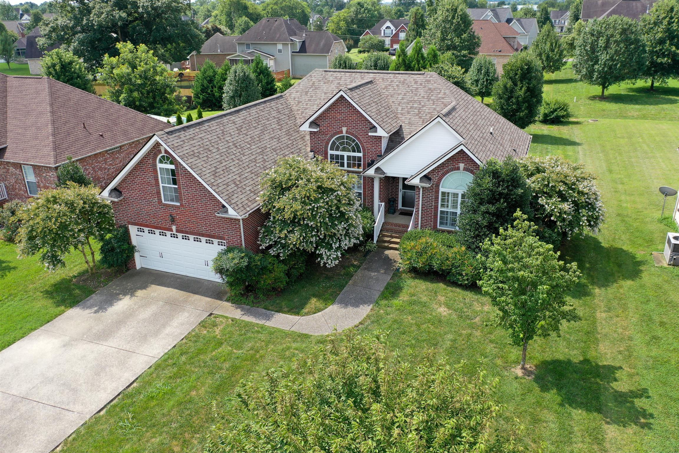 Cambridge Farms Ph 6 Real Estate Listings Main Image
