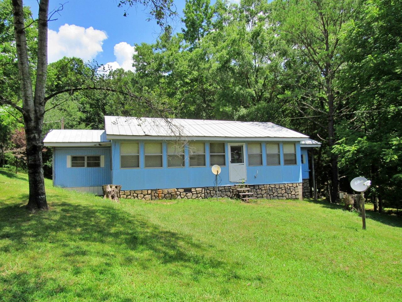 11152 Crooked Creek Rd, Lobelville, TN 37097 - Lobelville, TN real estate listing