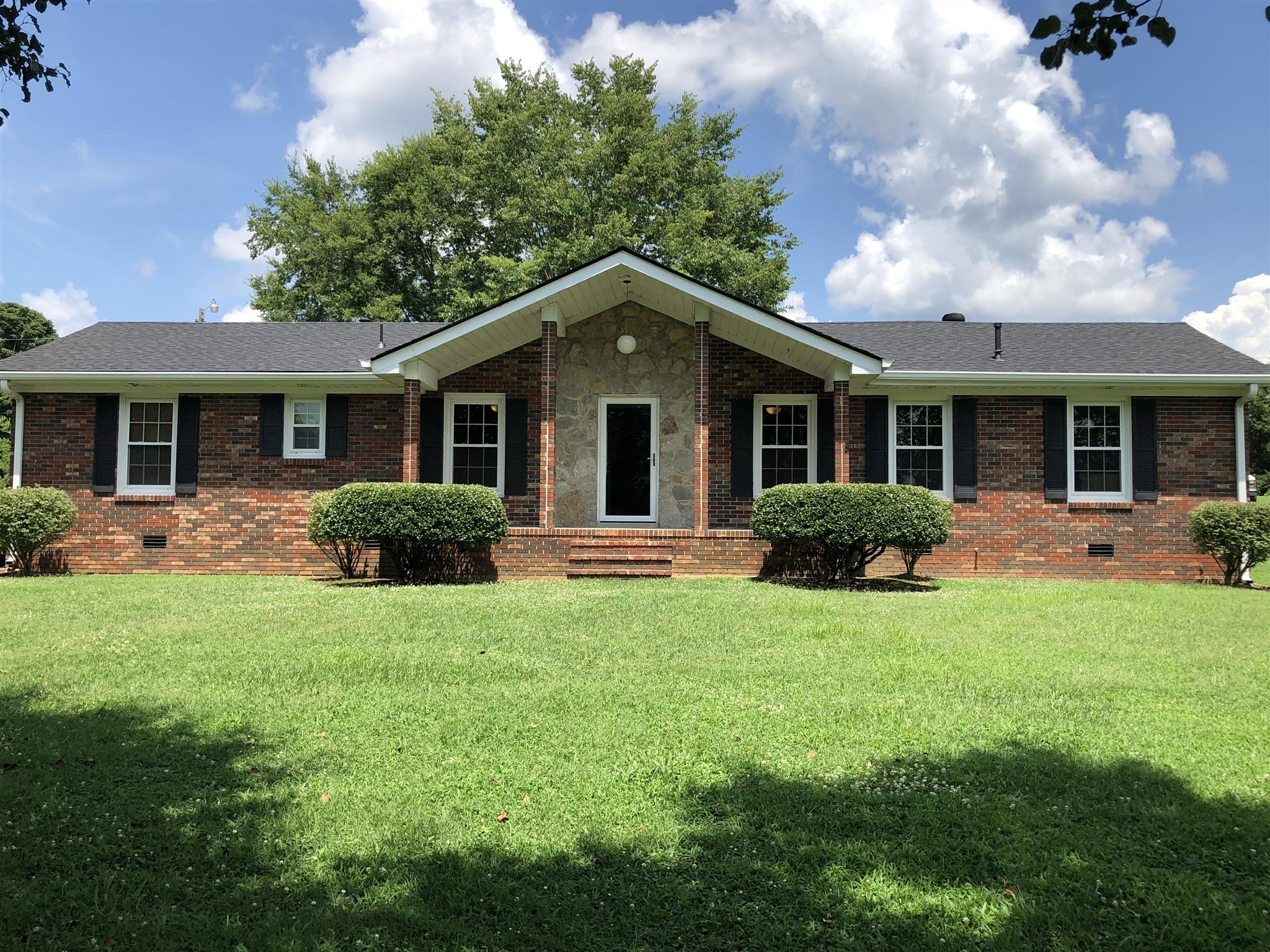 242 Dixon Springs Hwy, Carthage, TN 37030 - Carthage, TN real estate listing