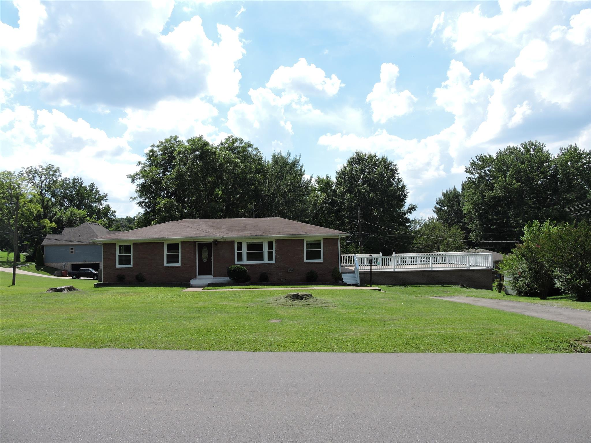 212 W Meadow Dr, Clarksville, TN 37043 - Clarksville, TN real estate listing