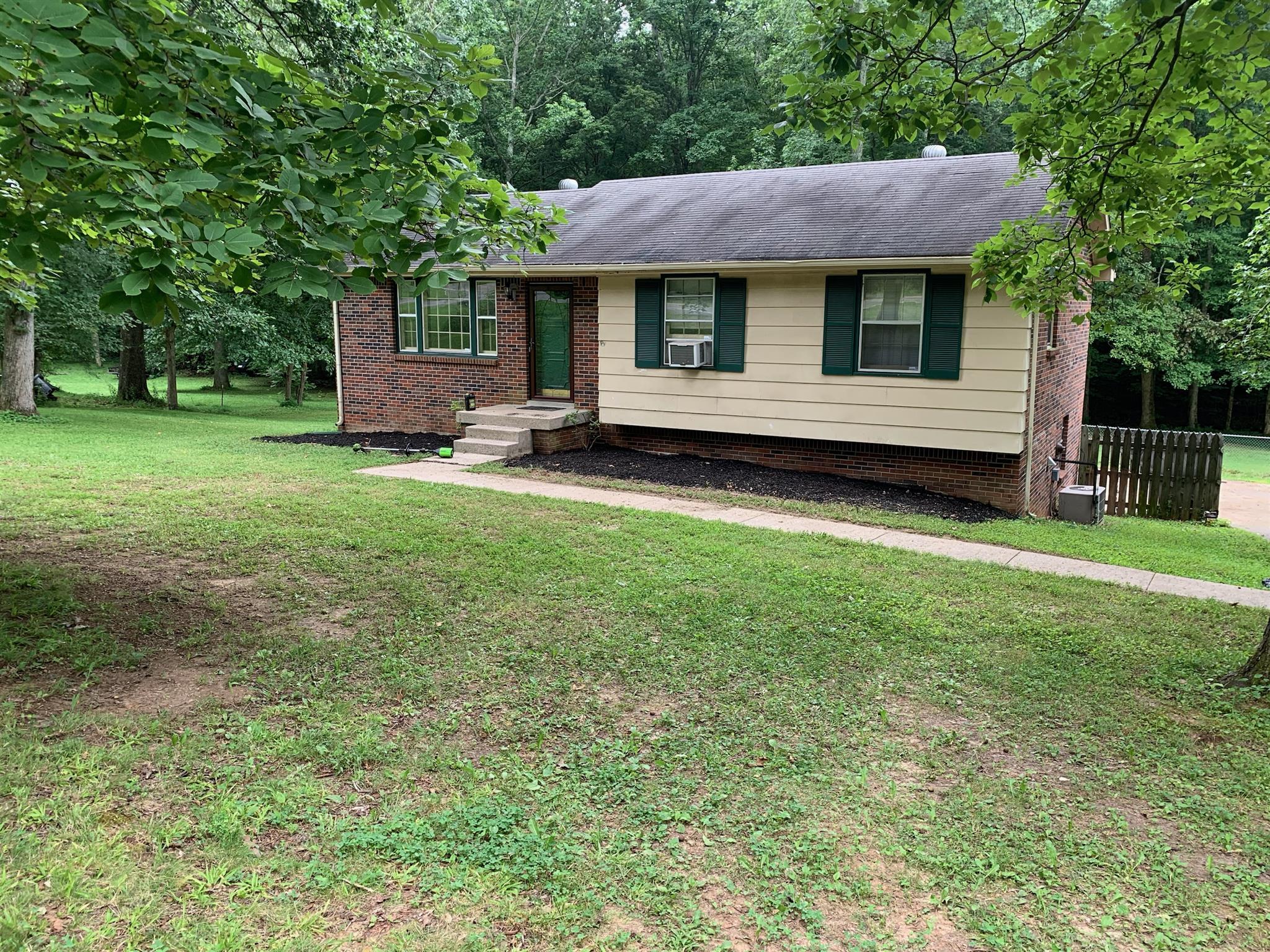 1848 Mimi Road, Clarksville, TN 37040 - Clarksville, TN real estate listing