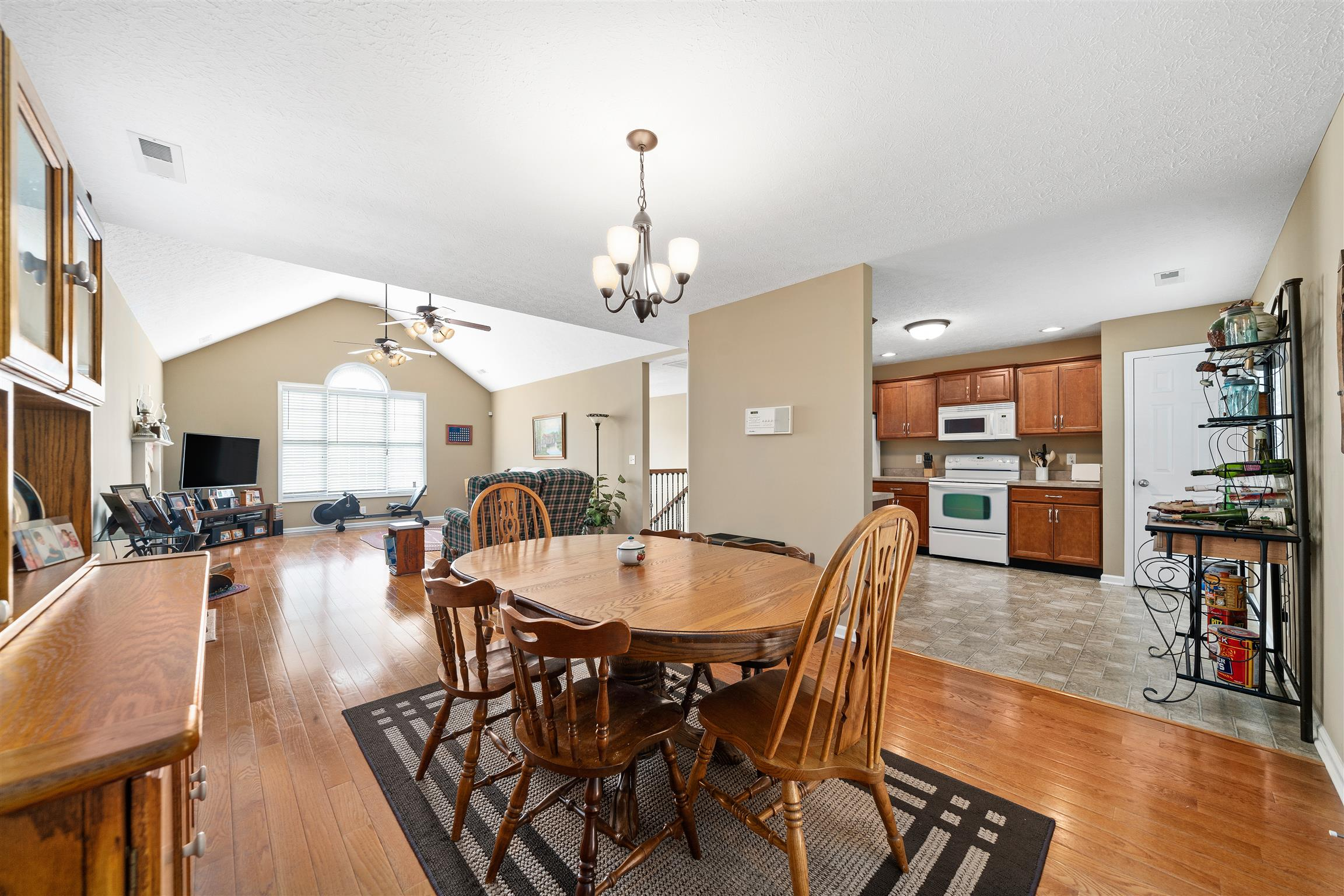 924 Excalibur Dr, Clarksville, TN 37040 - Clarksville, TN real estate listing