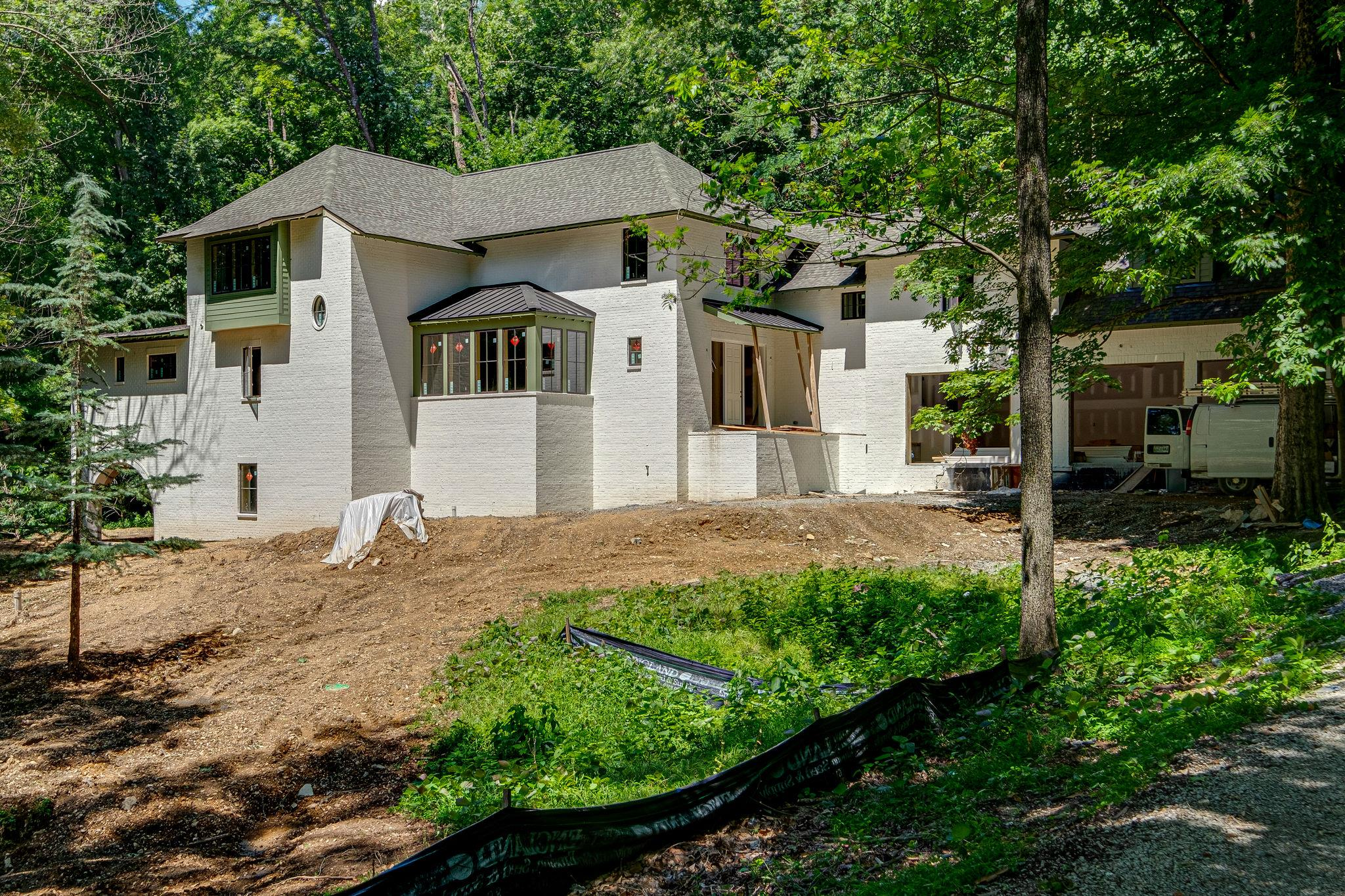 1056 Parkwood Ter, Nashville, TN 37220 - Nashville, TN real estate listing