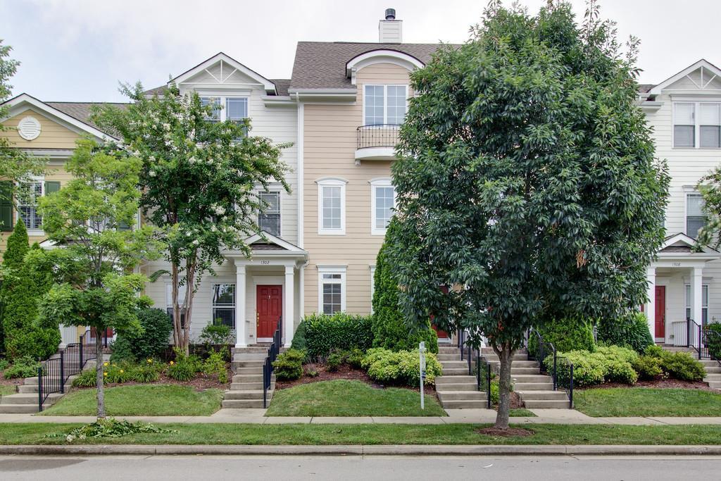 1304 Trenton Ln, Franklin, TN 37067 - Franklin, TN real estate listing