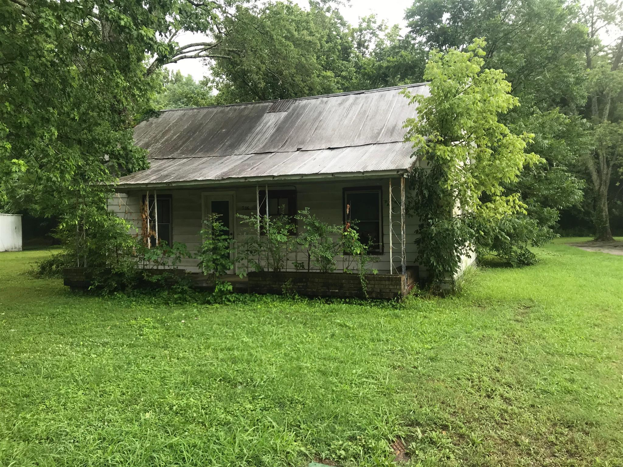 706 E Grizzard St, Tullahoma, TN 37388 - Tullahoma, TN real estate listing