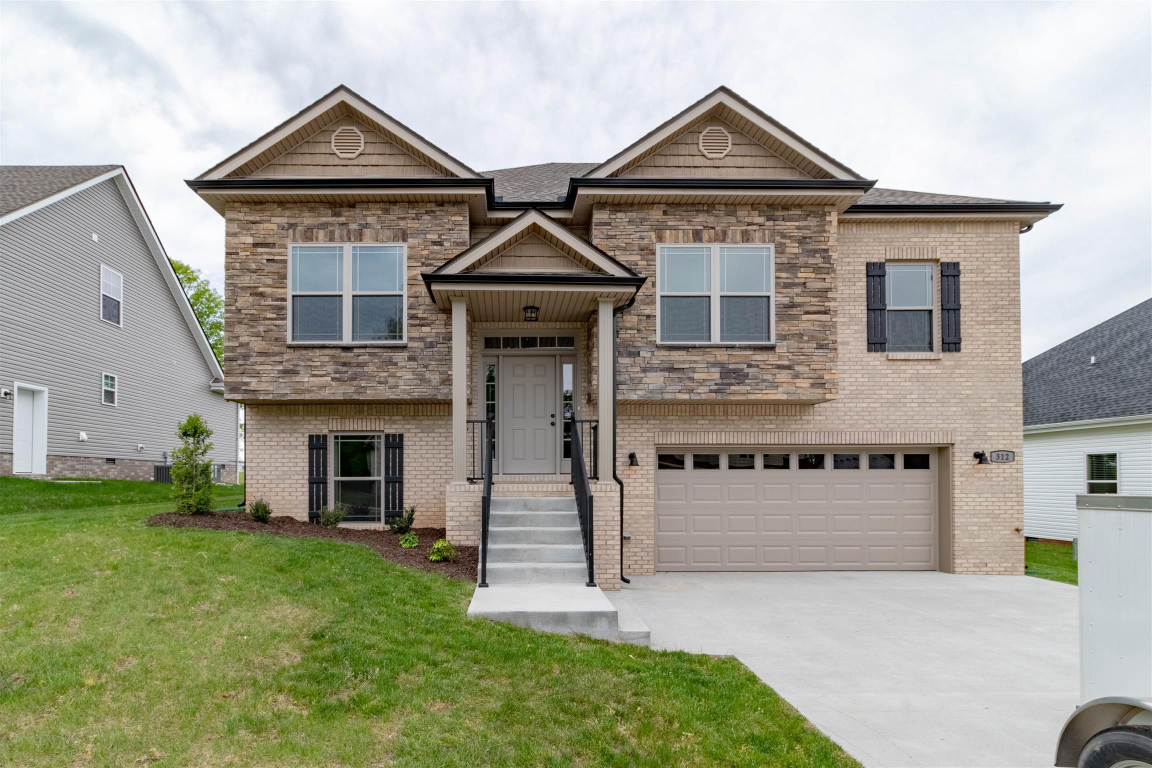 328 Chase Dr, Clarksville, TN 37043 - Clarksville, TN real estate listing
