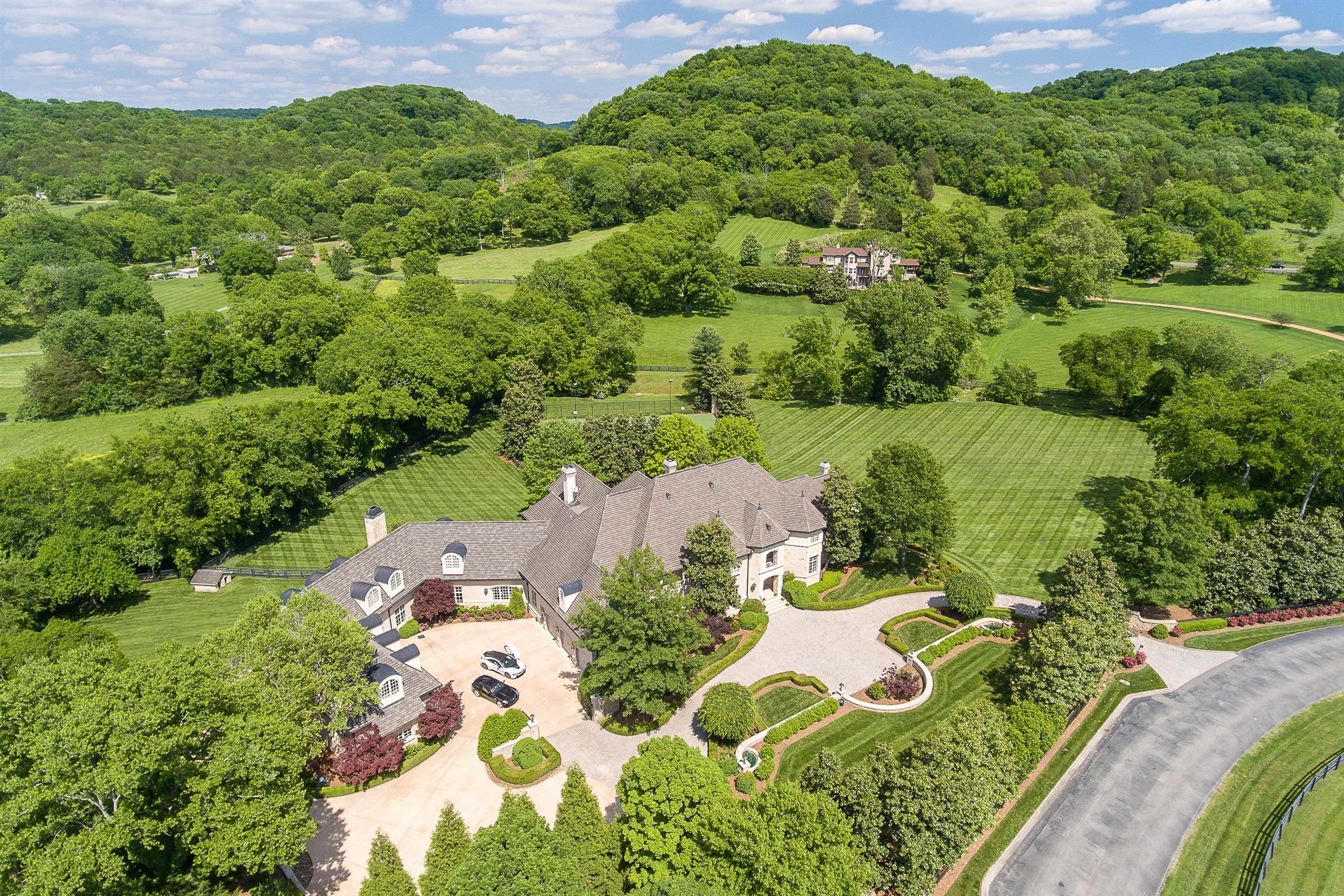 2410 Hidden River Ln, Franklin, TN 37064 - Franklin, TN real estate listing