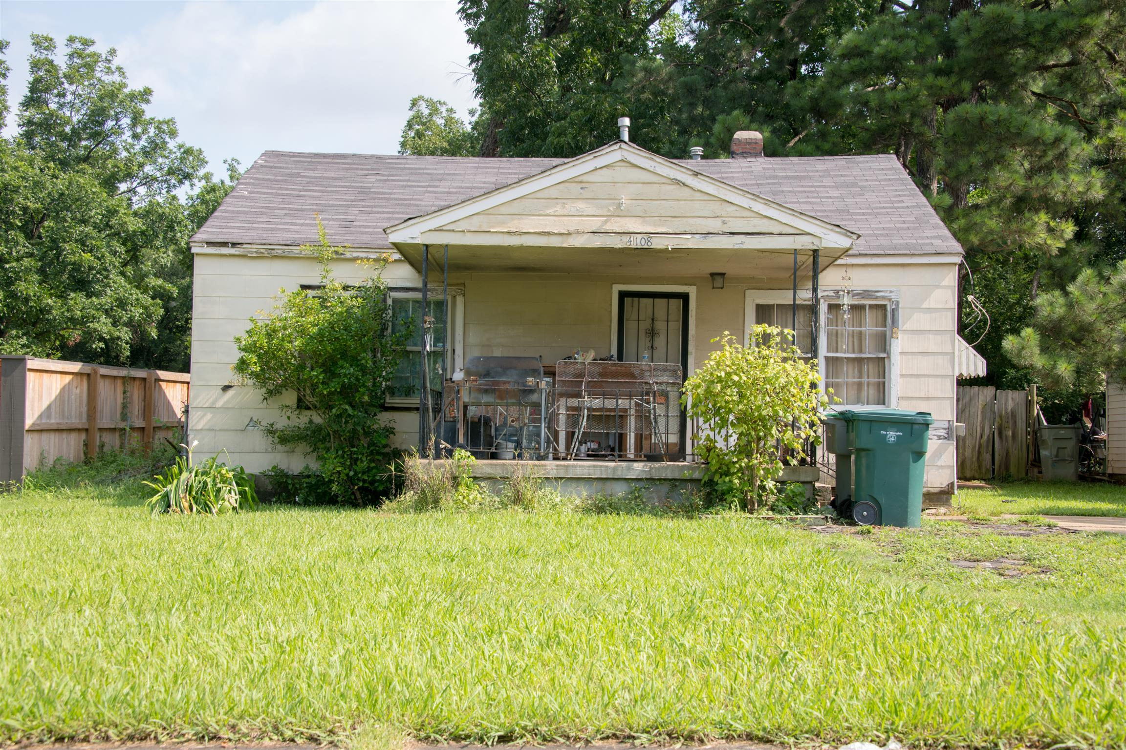 38111 Real Estate Listings Main Image