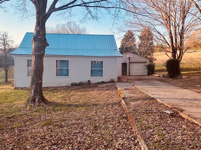 2250 Walker Cove Road, Sparta, TN 38583 - Sparta, TN real estate listing