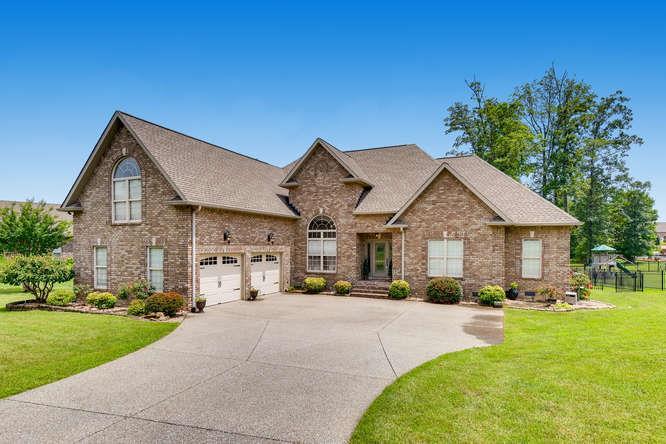 1083 Carrs Creek Blvd, Greenbrier, TN 37073 - Greenbrier, TN real estate listing