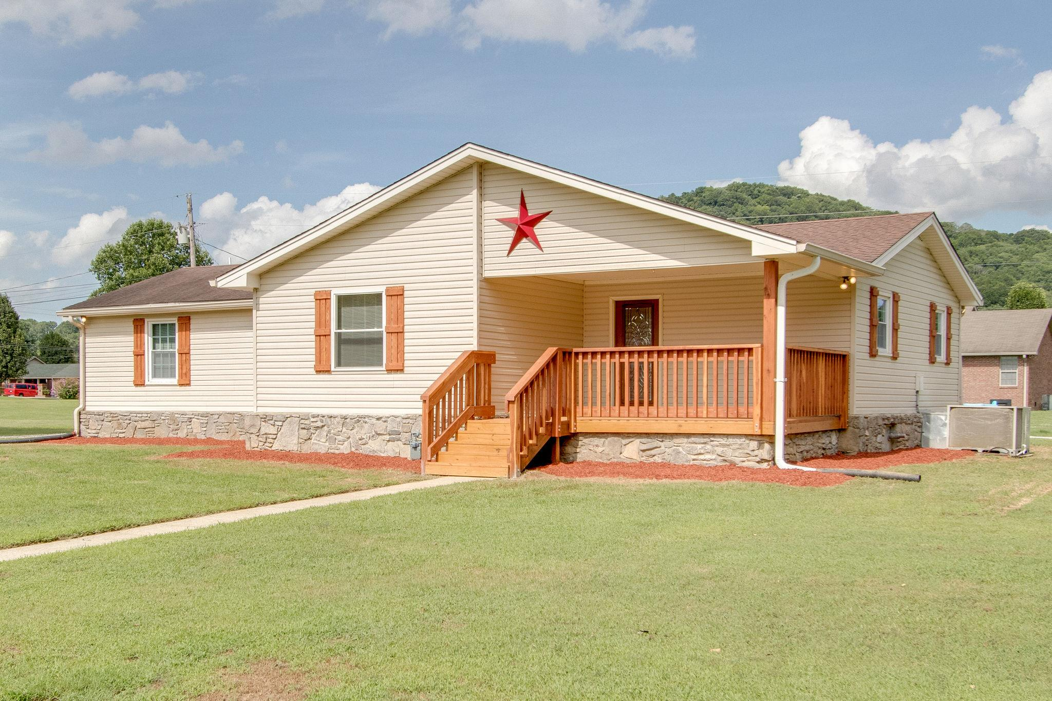 9 Hills Dale Ln E, Carthage, TN 37030 - Carthage, TN real estate listing