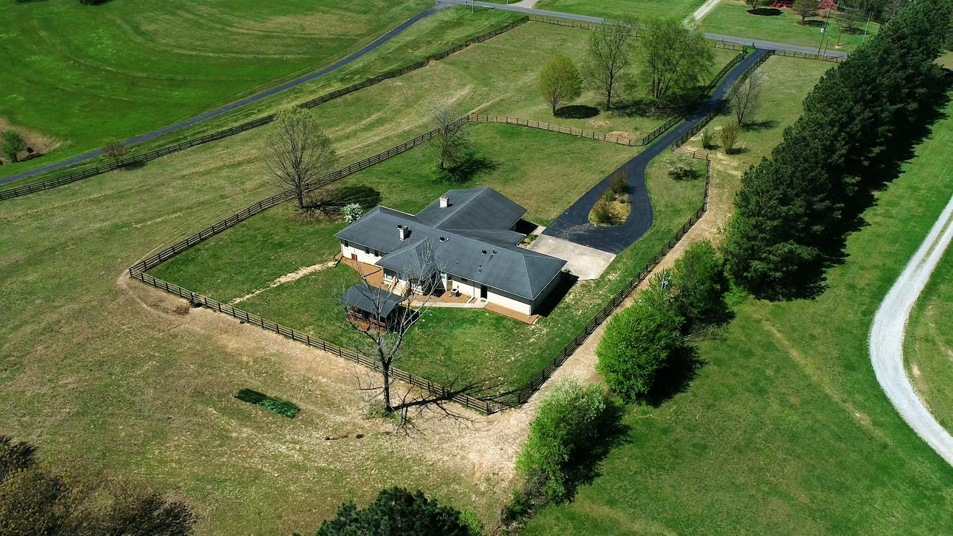 2038 Lawrence Ln, Springfield, TN 37172 - Springfield, TN real estate listing