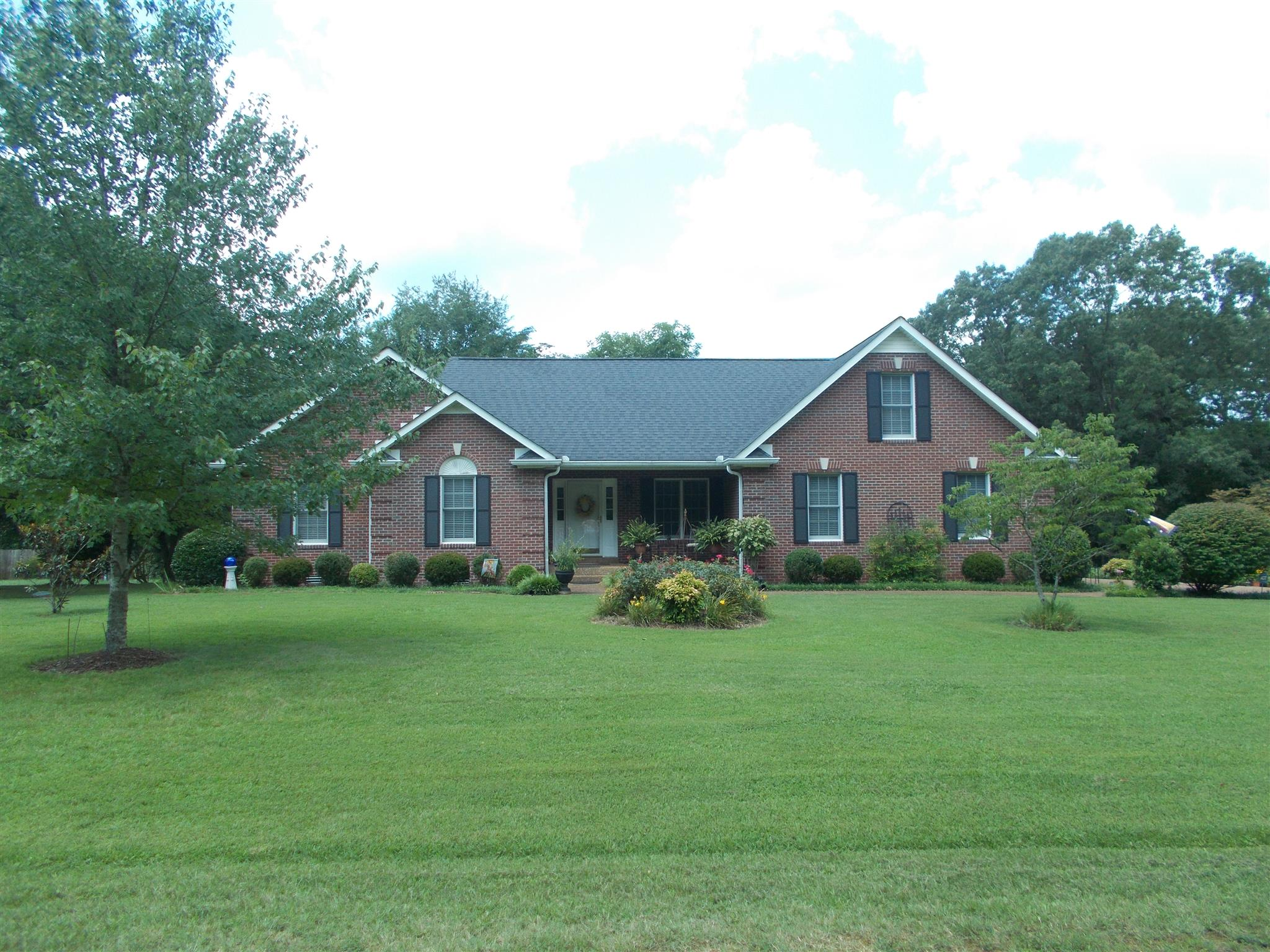 1017 Hagewood Ln, Ashland City, TN 37015 - Ashland City, TN real estate listing