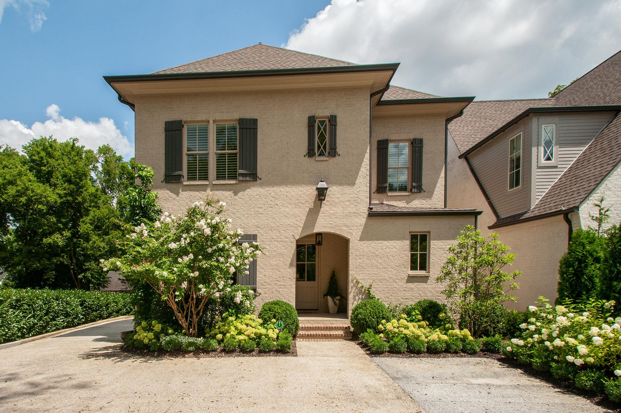 Abbott Martin Cottages Real Estate Listings Main Image