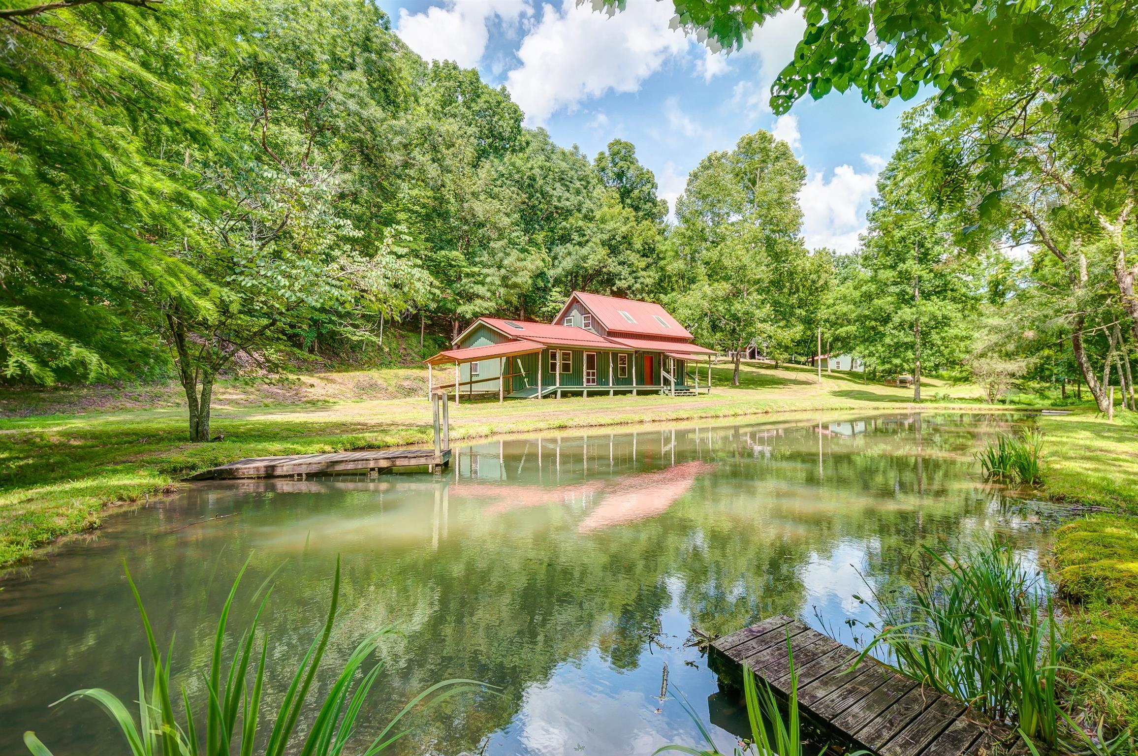 392 Mercer Rd, Linden, TN 37096 - Linden, TN real estate listing