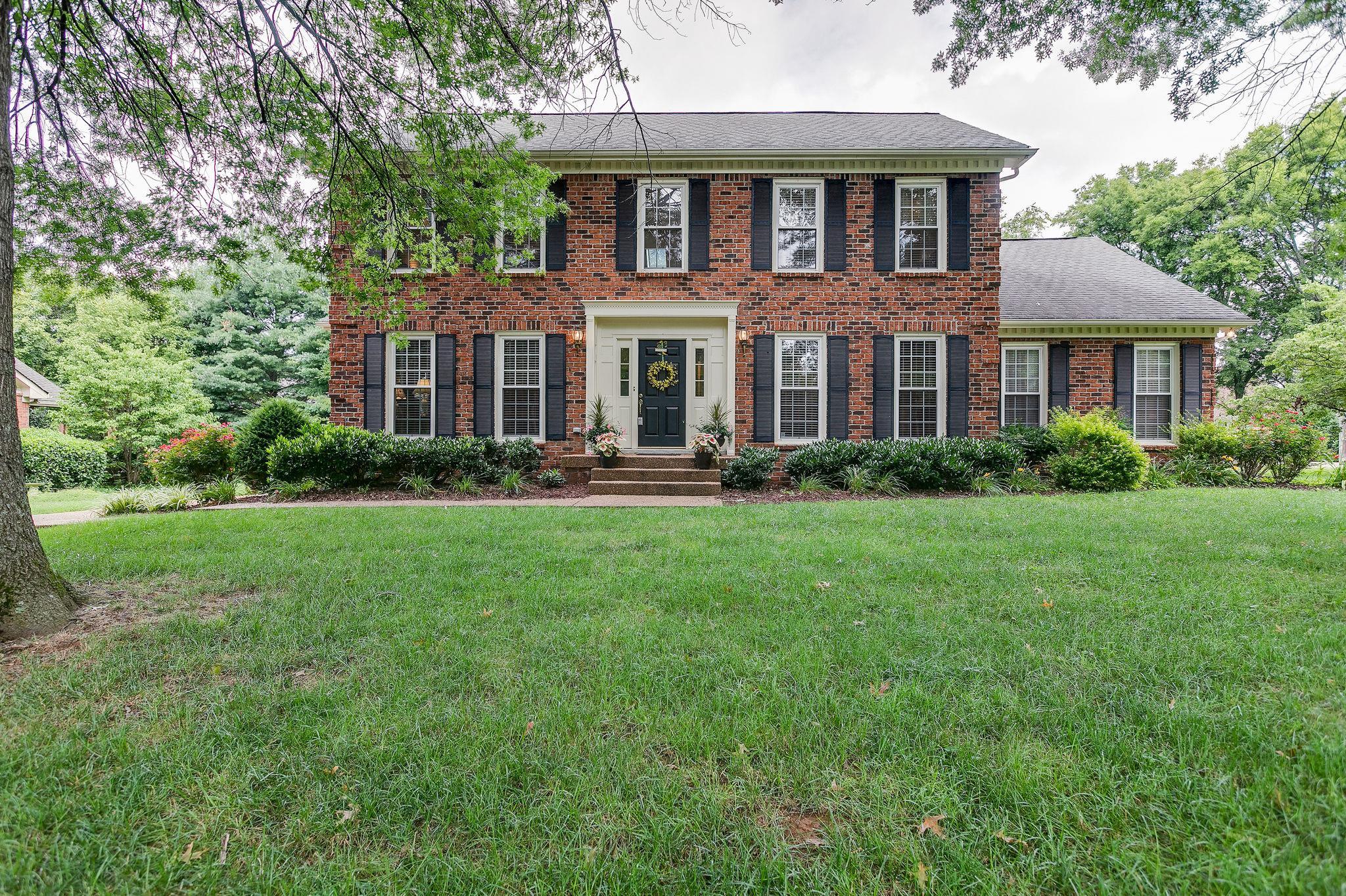 6012 Manor Pl Property Photo