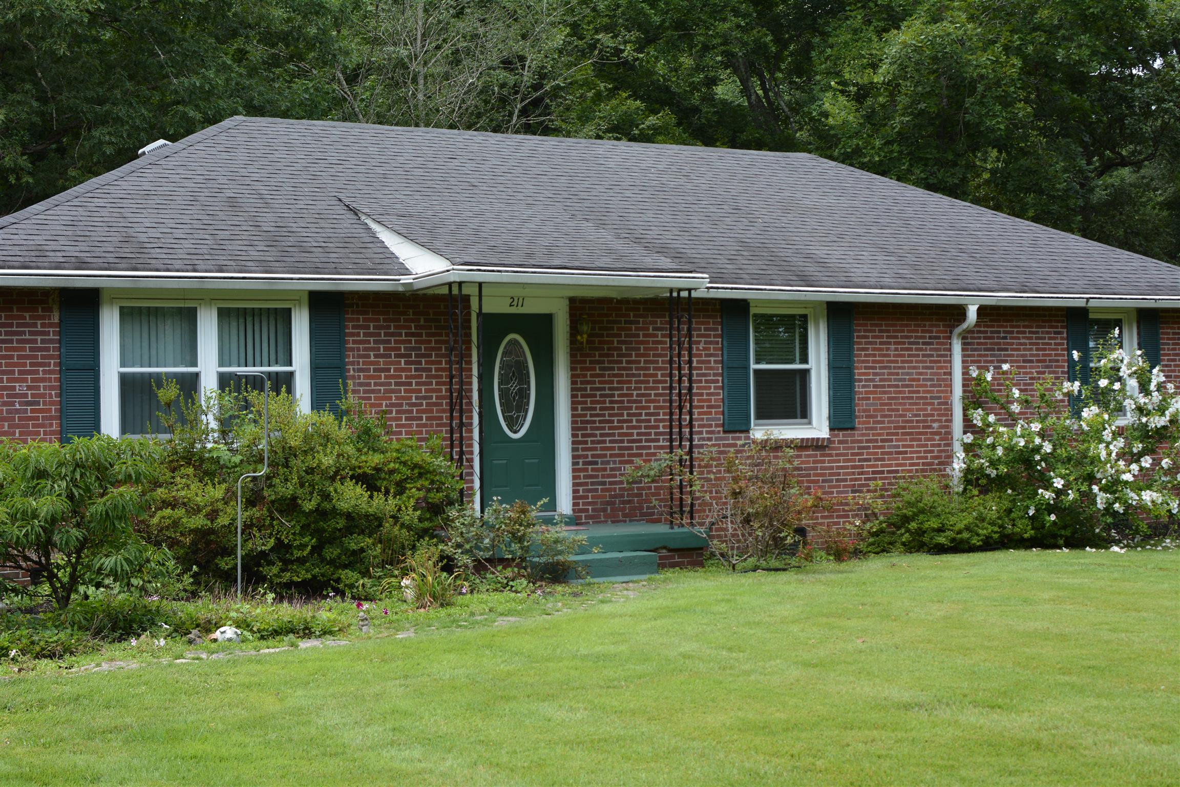 211 Jackson Cir, Tullahoma, TN 37388 - Tullahoma, TN real estate listing