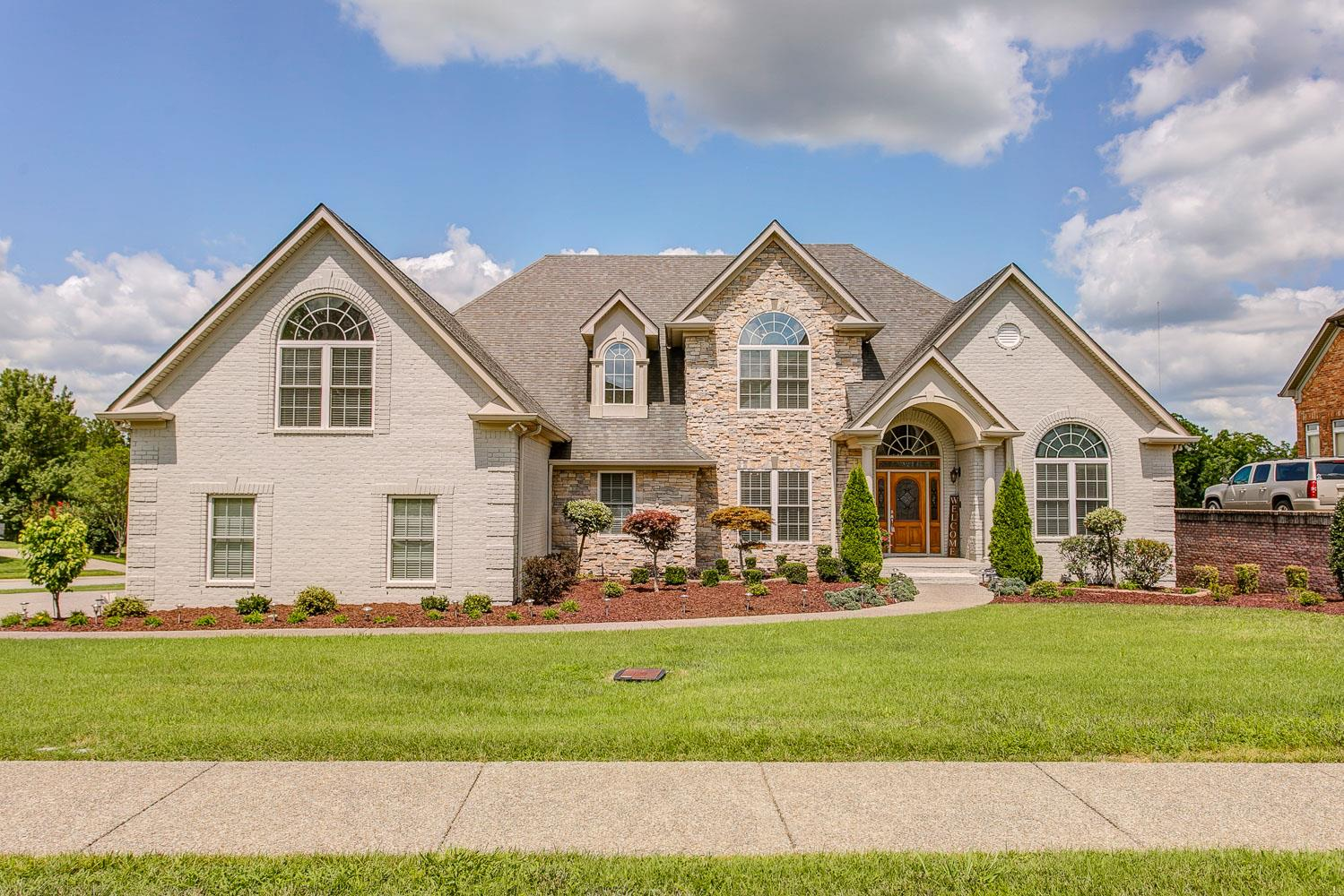 1076 Watkins Creek Dr, Franklin, TN 37067 - Franklin, TN real estate listing