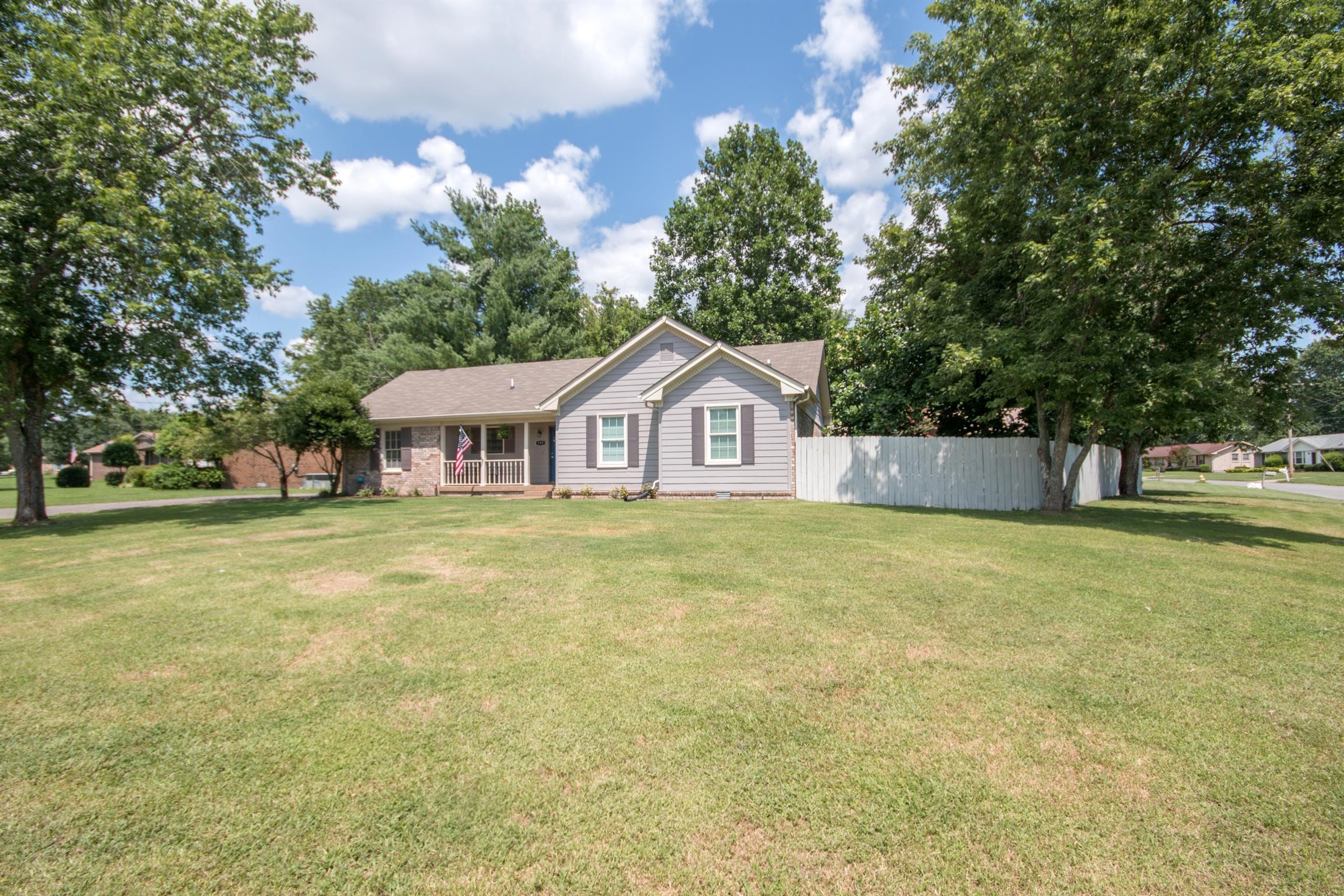 100 Yorkside Pl, Hendersonville, TN 37075 - Hendersonville, TN real estate listing
