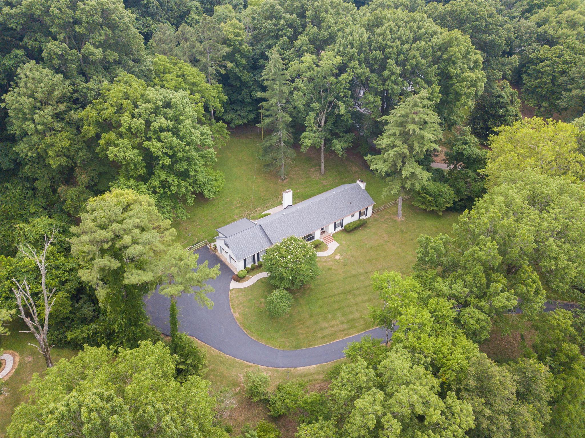 6415 Jocelyn Hollow Rd, Nashville, TN 37205 - Nashville, TN real estate listing