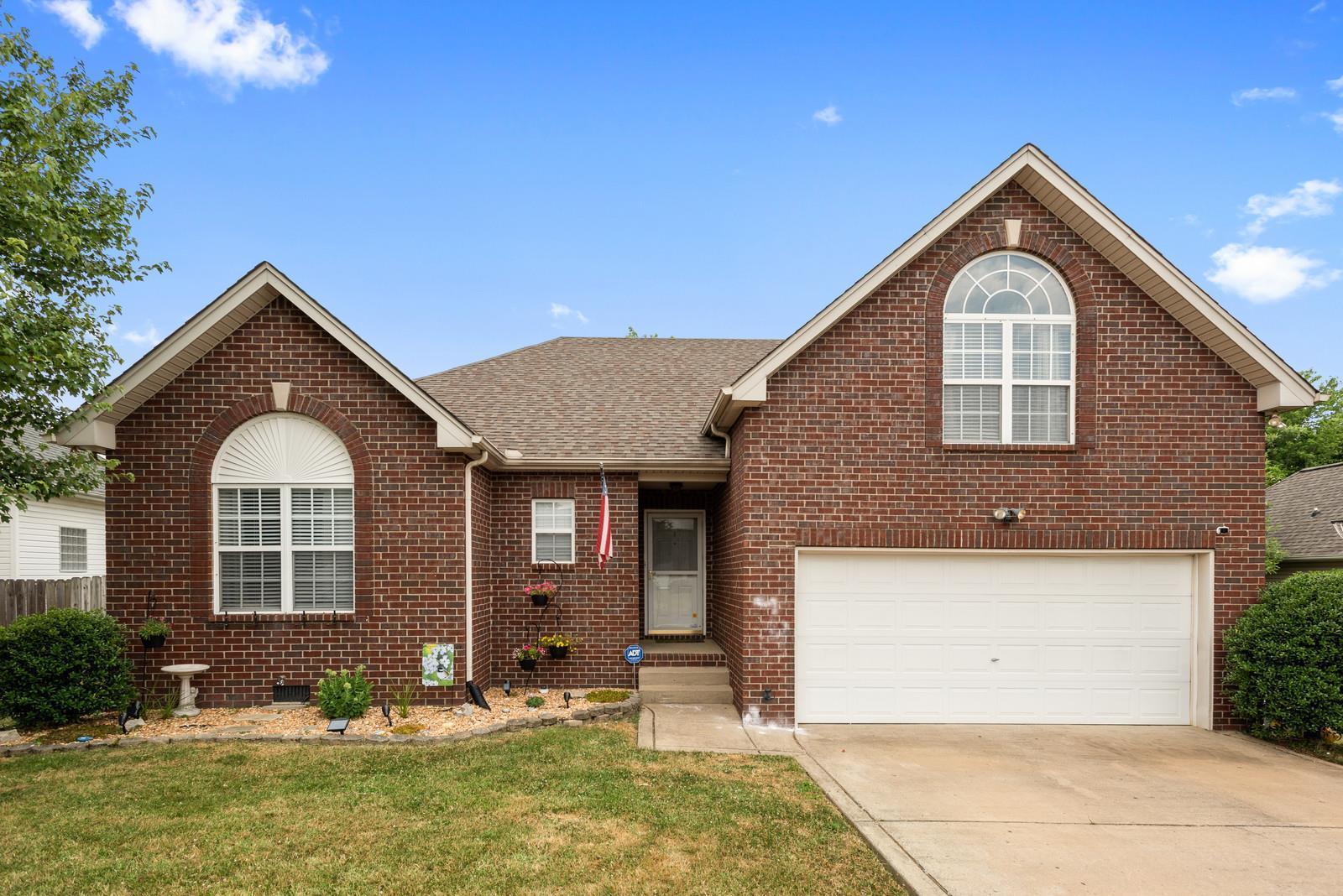 289 Iris Dr, Hendersonville, TN 37075 - Hendersonville, TN real estate listing