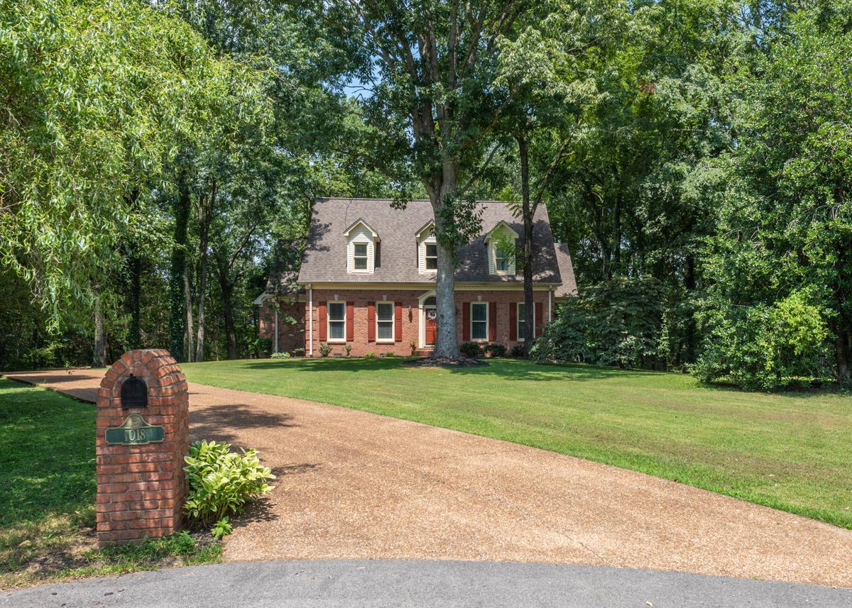 1018 Carolyn Cir, Hendersonville, TN 37075 - Hendersonville, TN real estate listing