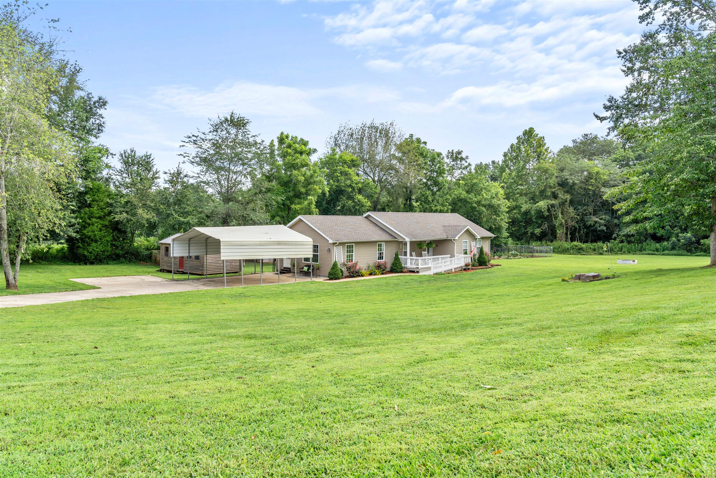 2543 Toler Ct, Woodlawn, TN 37191 - Woodlawn, TN real estate listing