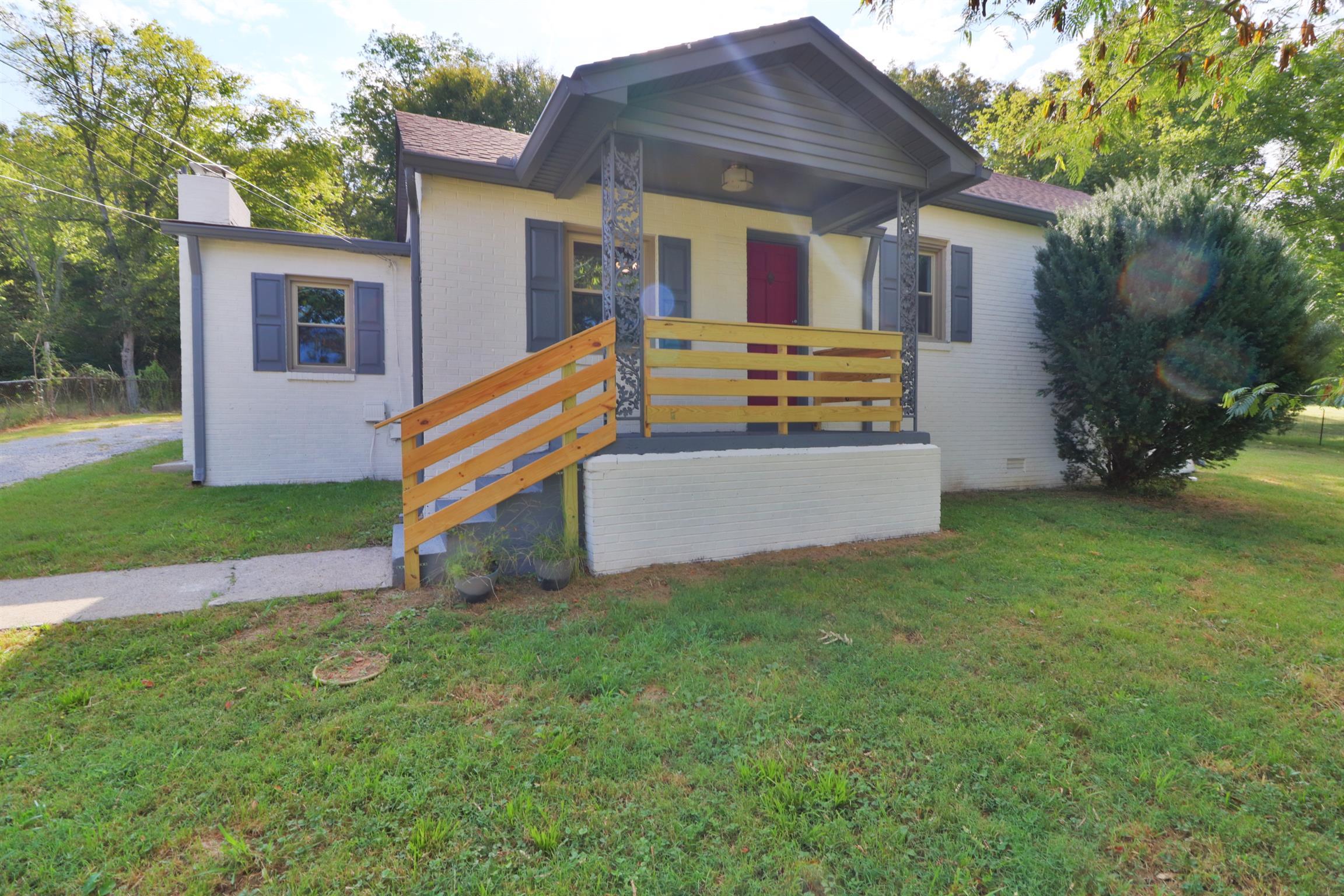 37090 Real Estate Listings Main Image