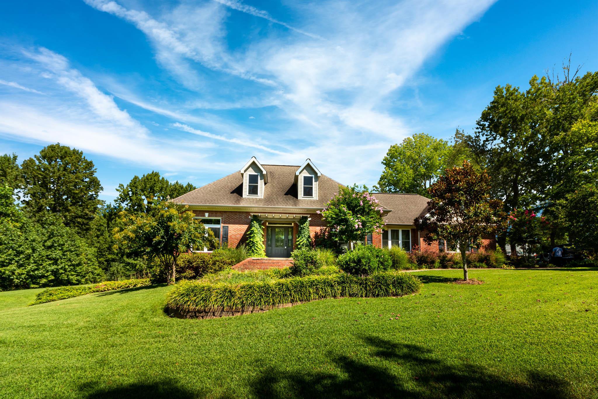 105 Clubhouse Dr, Loretto, TN 38469 - Loretto, TN real estate listing