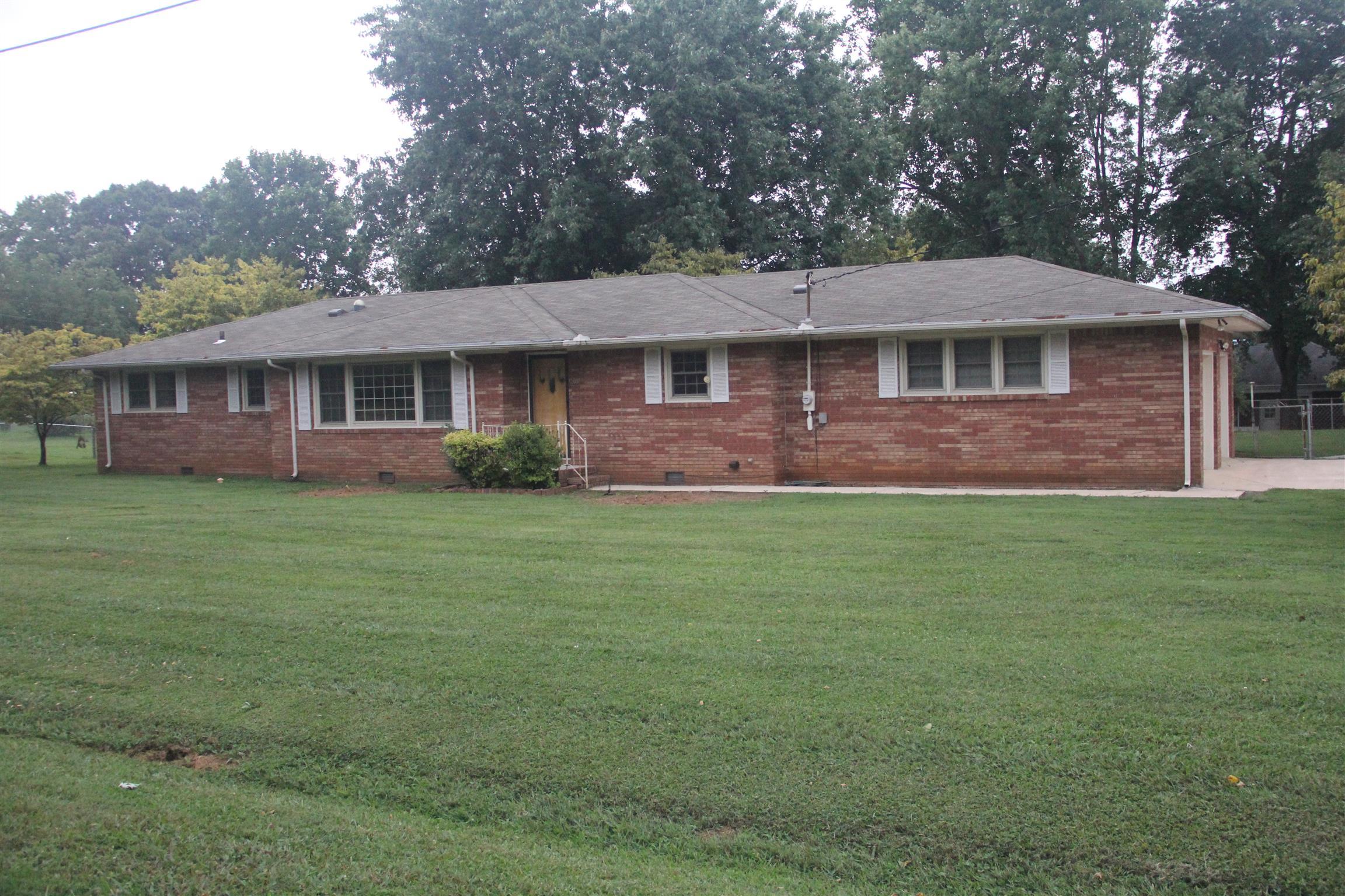 203 Woodland Dr, Decherd, TN 37324 - Decherd, TN real estate listing