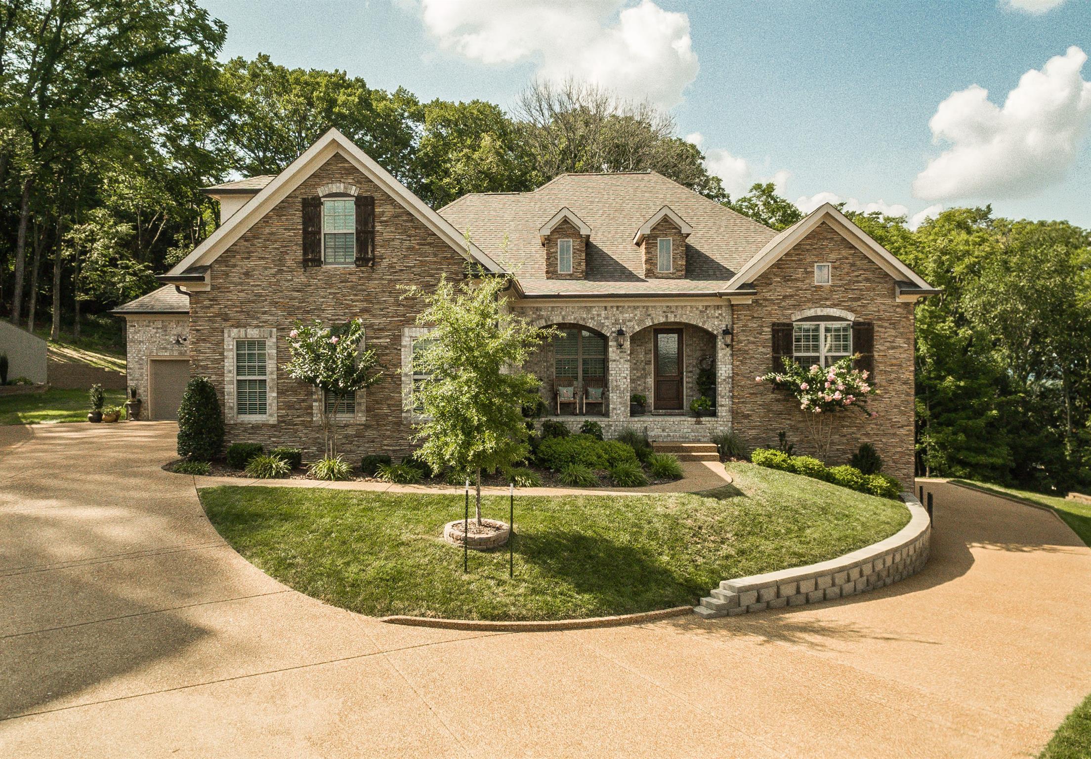 325 Holcombe Ln, Franklin, TN 37064 - Franklin, TN real estate listing