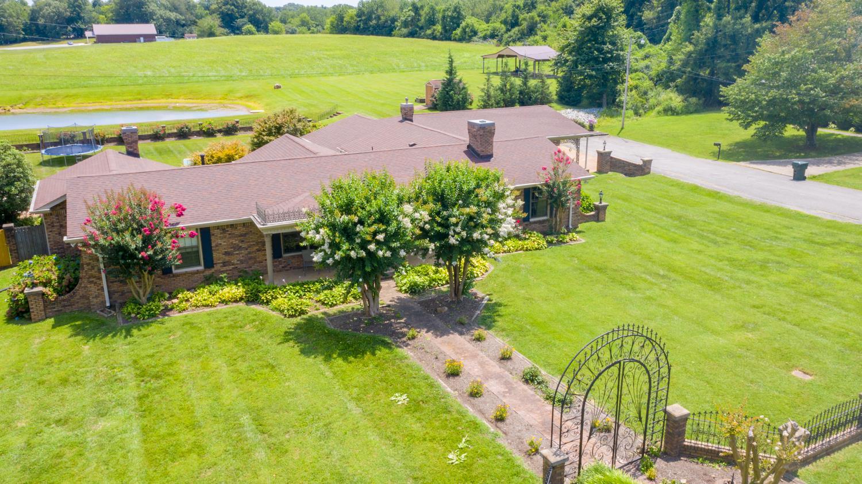 211 W Hills Ter, Dickson, TN 37055 - Dickson, TN real estate listing