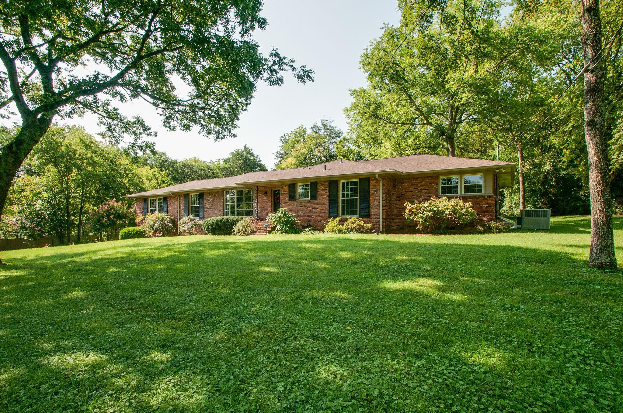 6405 Brownlee Dr, Nashville, TN 37205 - Nashville, TN real estate listing