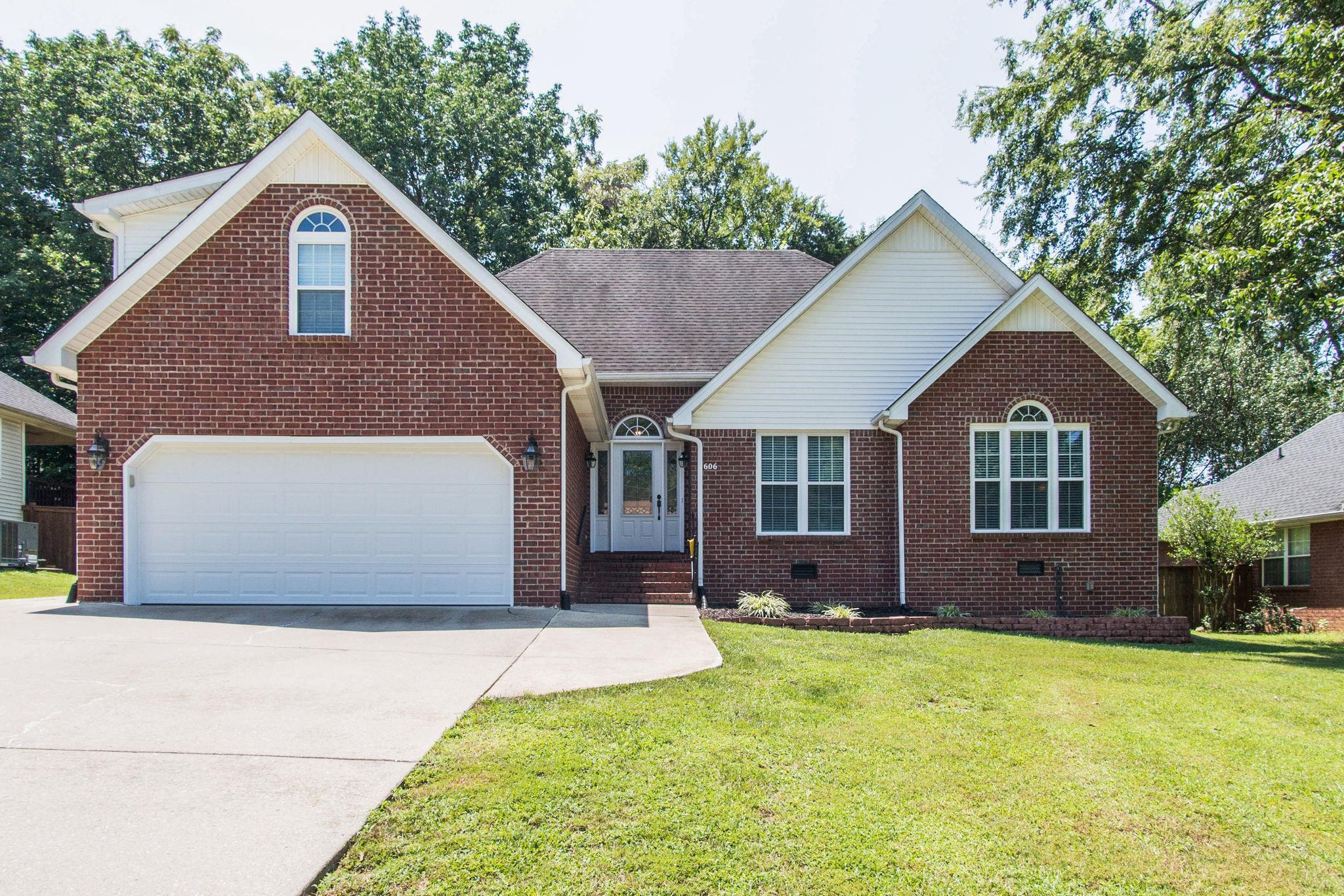 606 Woodland Hills Dr, LA VERGNE, TN 37086 - LA VERGNE, TN real estate listing