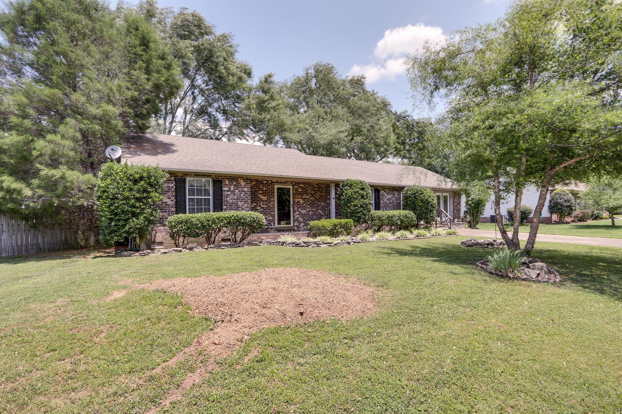 612 Glencoe Ct, Franklin, TN 37064 - Franklin, TN real estate listing