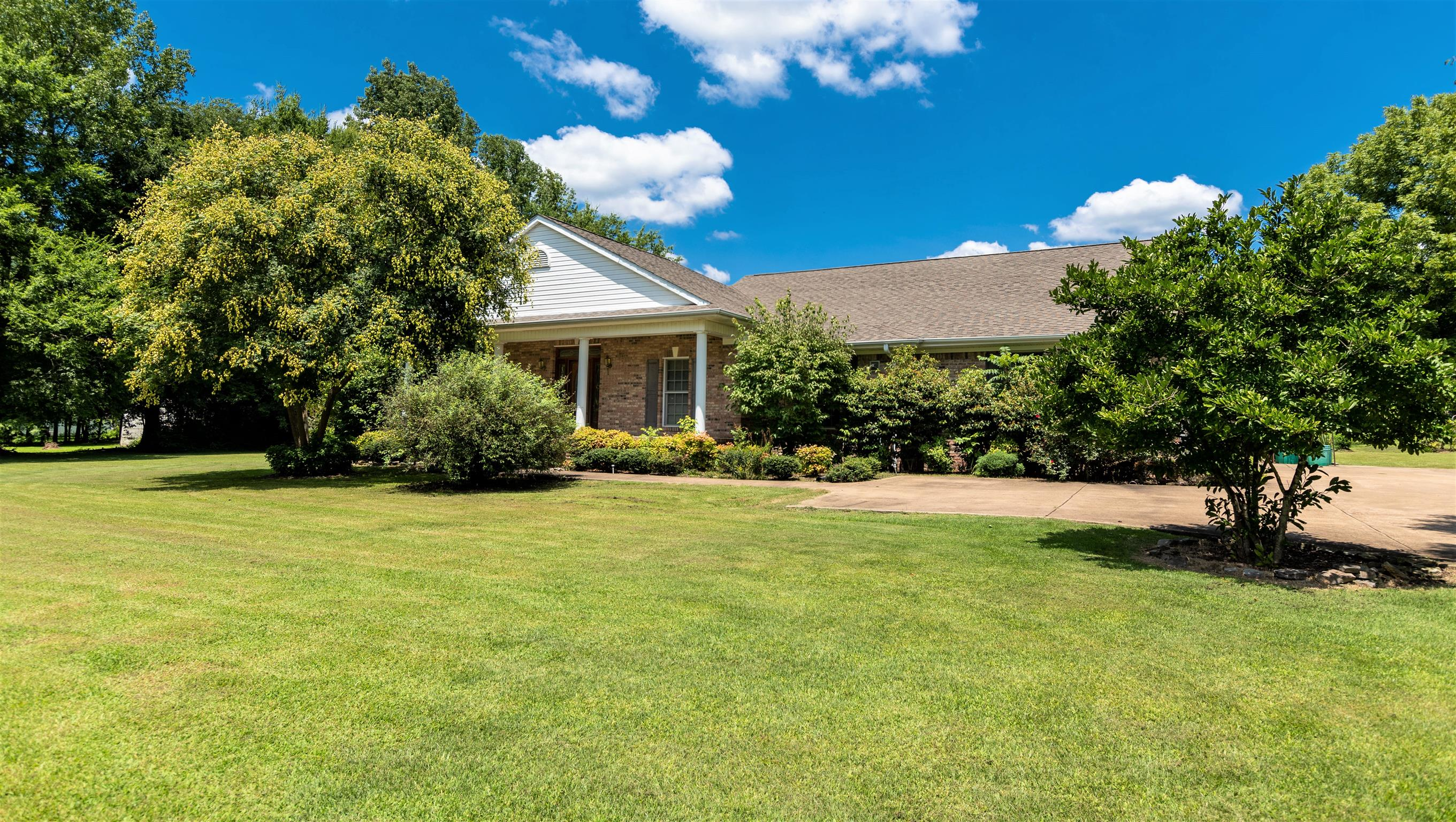 Parsons Real Estate Listings Main Image