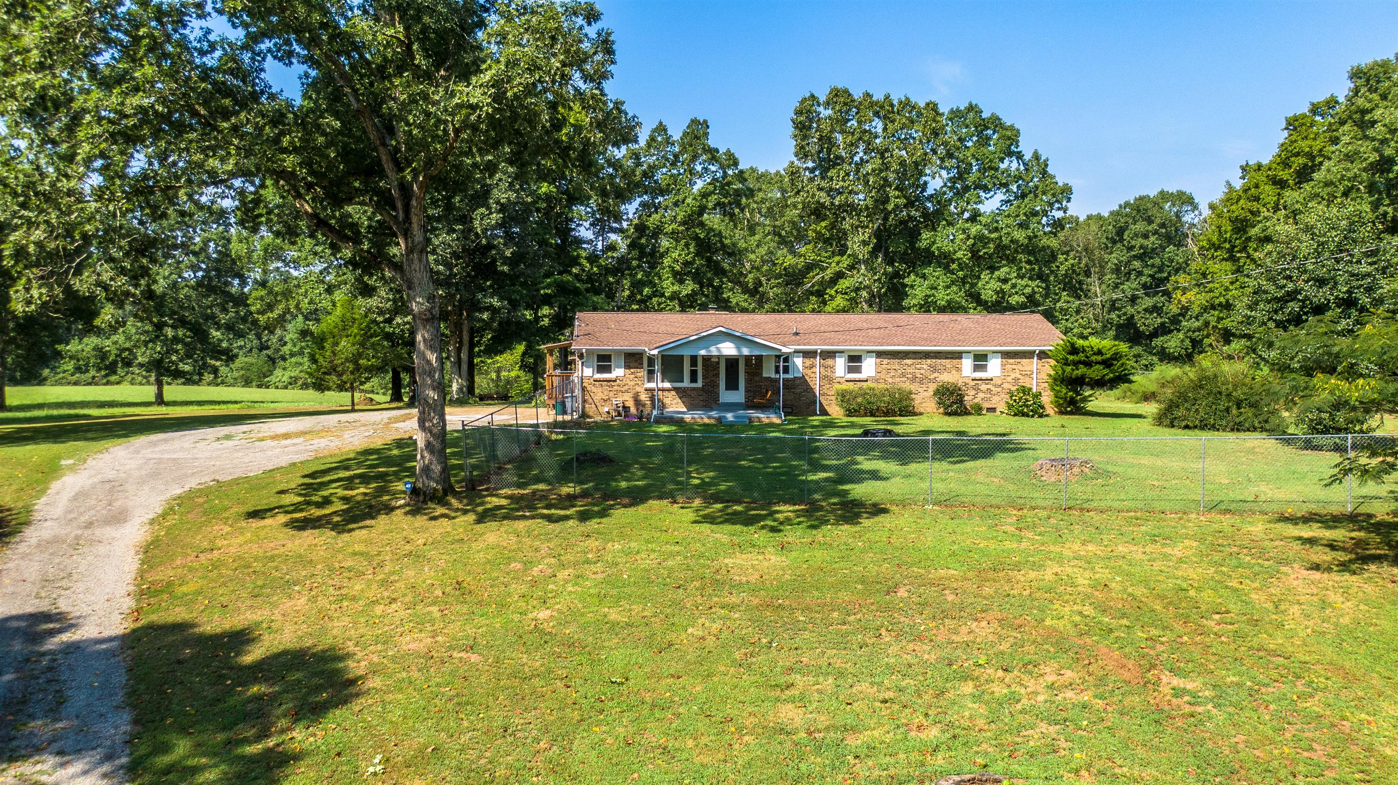9496 Old Locust Creek Rd, Bon Aqua, TN 37025 - Bon Aqua, TN real estate listing