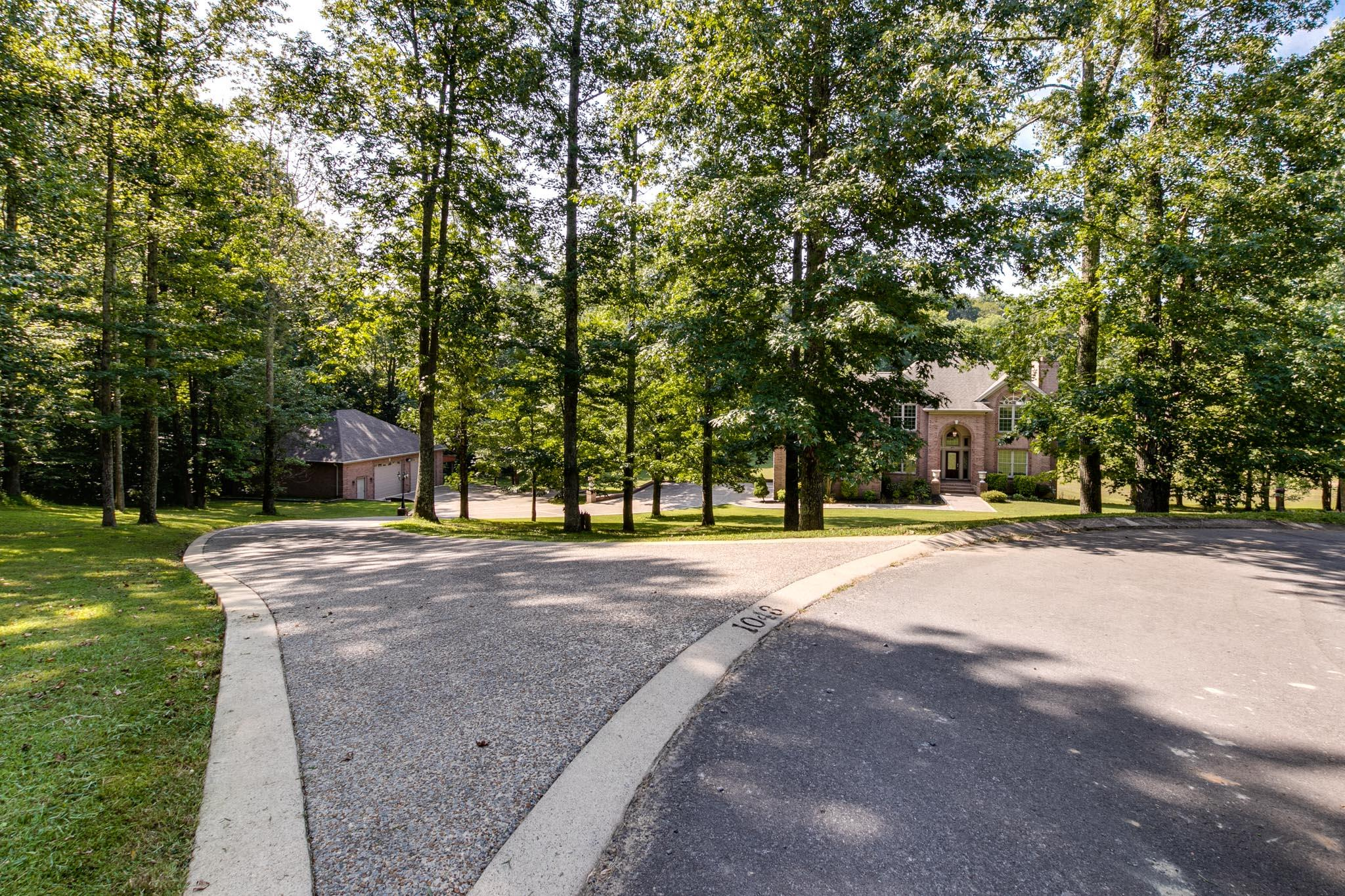 1043 Washington Dr, Cottontown, TN 37048 - Cottontown, TN real estate listing