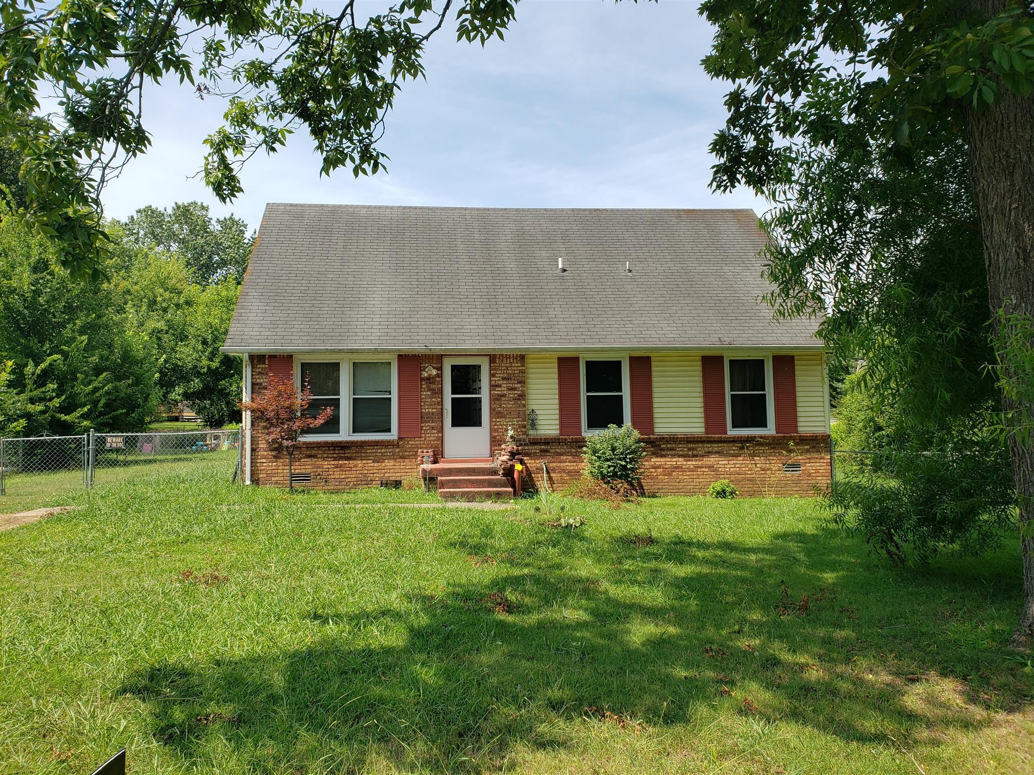 404 Lillie Belle Lane, Clarksville, TN 37042 - Clarksville, TN real estate listing