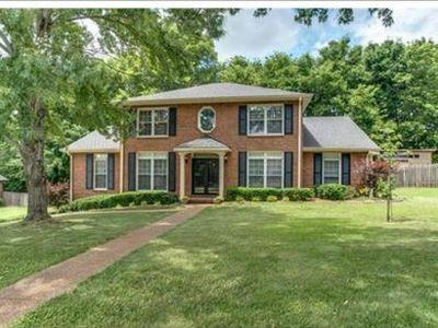 220 Pebble Glen Dr, Franklin, TN 37064 - Franklin, TN real estate listing